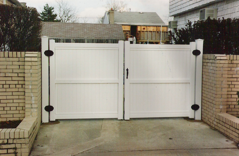 PVC Double Drive Gate