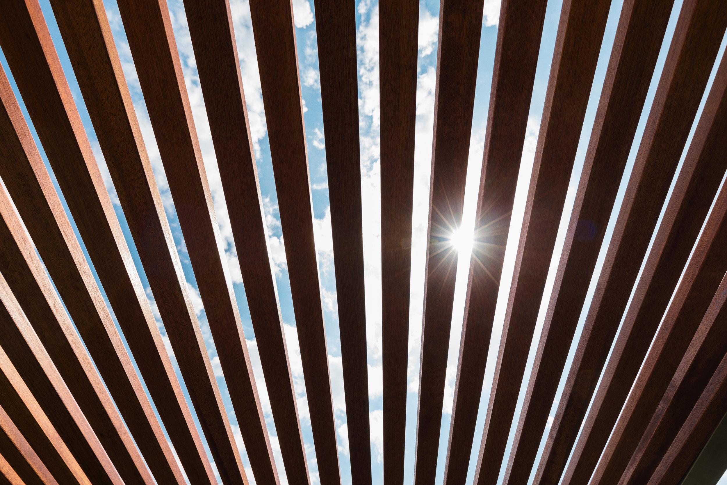 rewalux Material Holz für Pergola.jpg
