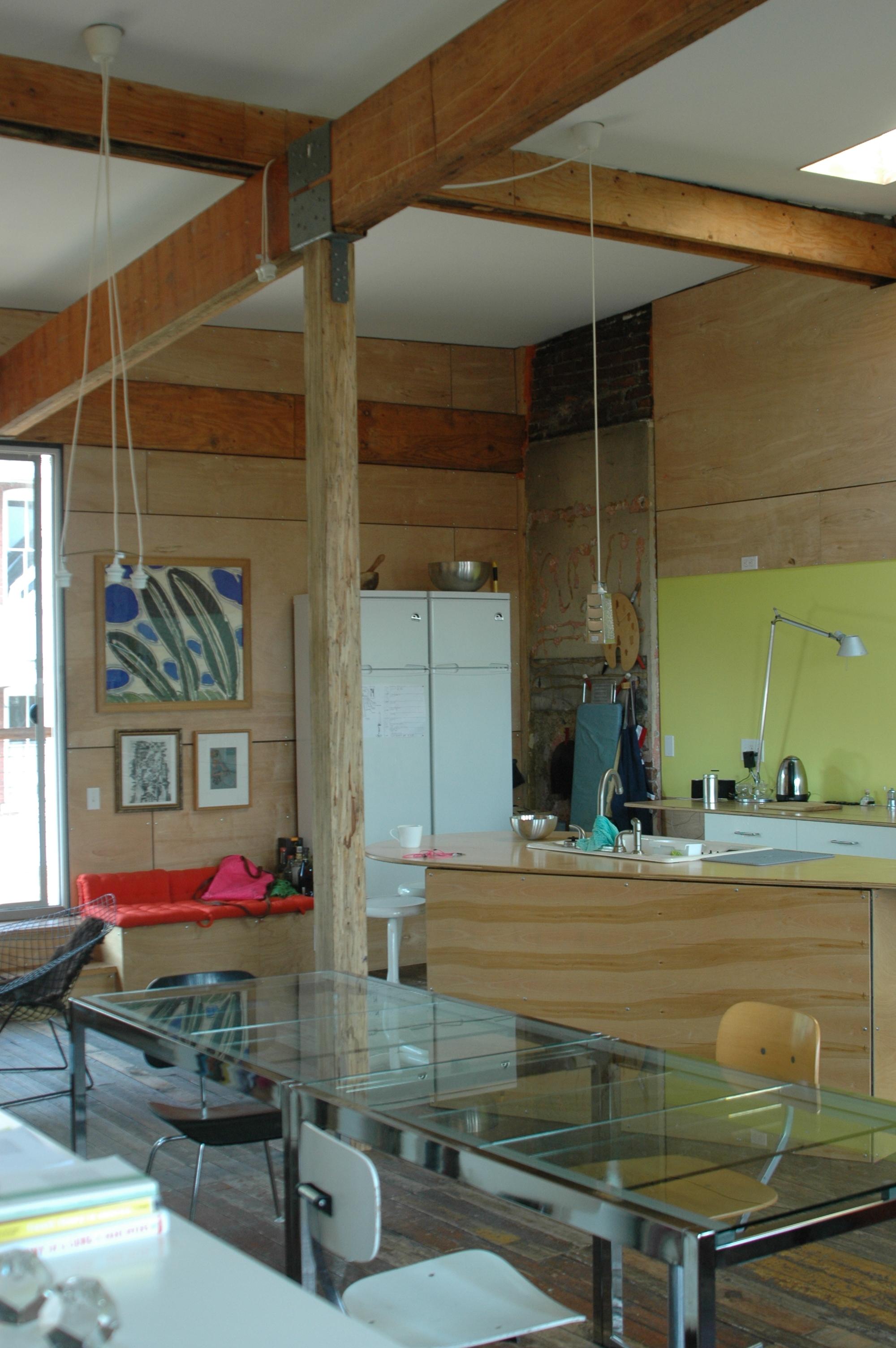 Interior, Arscott's home. Photo courtesy of KelliLaurel Mijares.