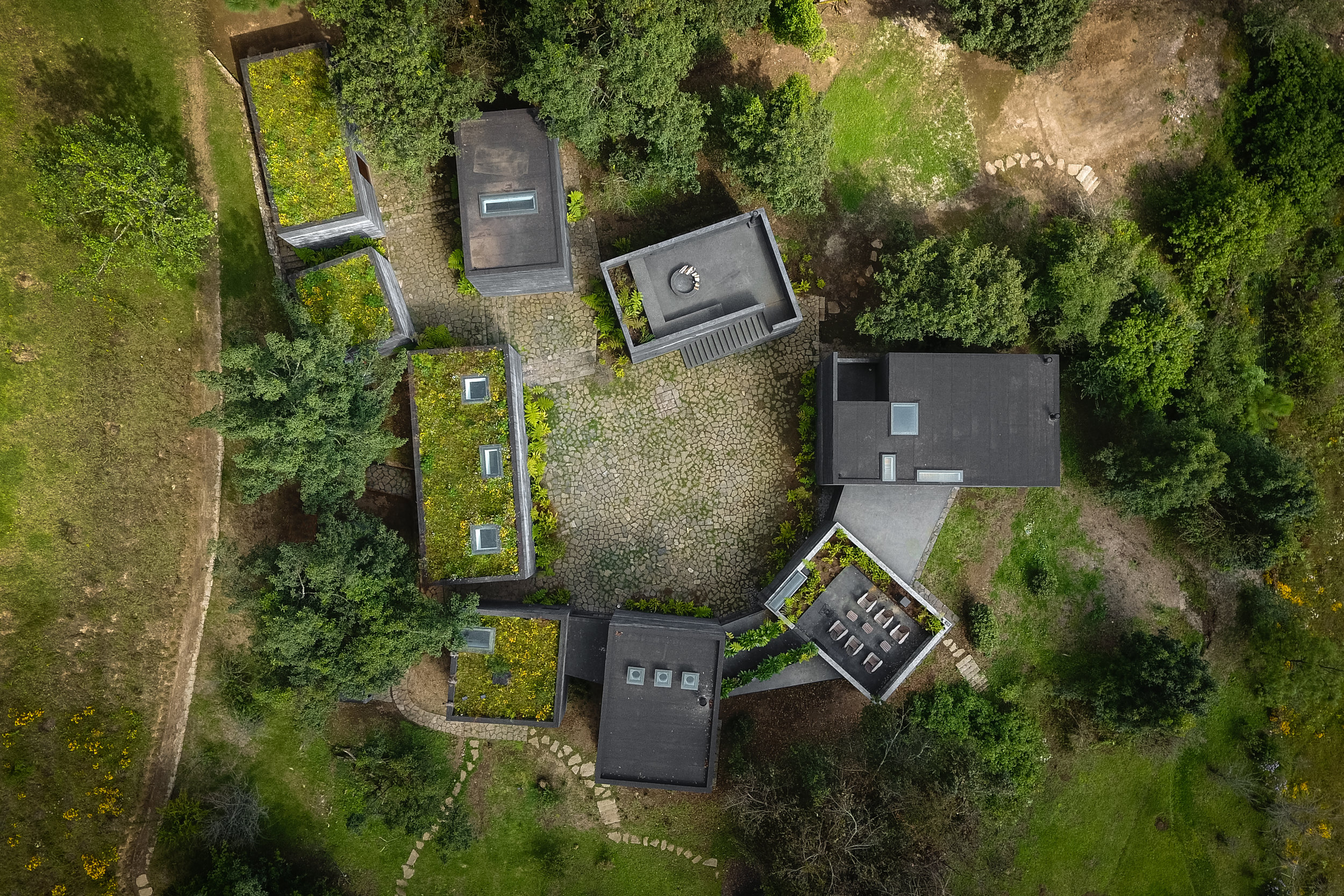 Aerial view of Casa Bruma's volumes. Courtesy of Fernanda Canales.