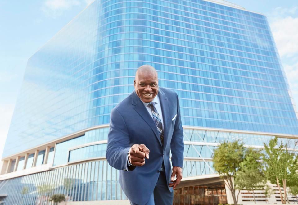 https___blogs-images.forbes.com_barrysamaha_files_2019_03_Shaquille-ONeal-jcpenney-Wilhelmina-model-search-big-and-tall-fashion.jpg