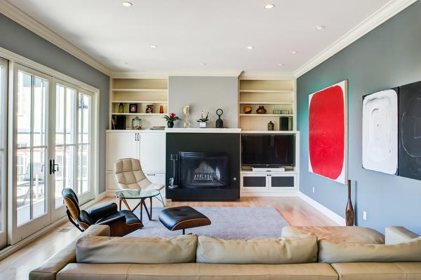Fireplace - Upper level.jpg