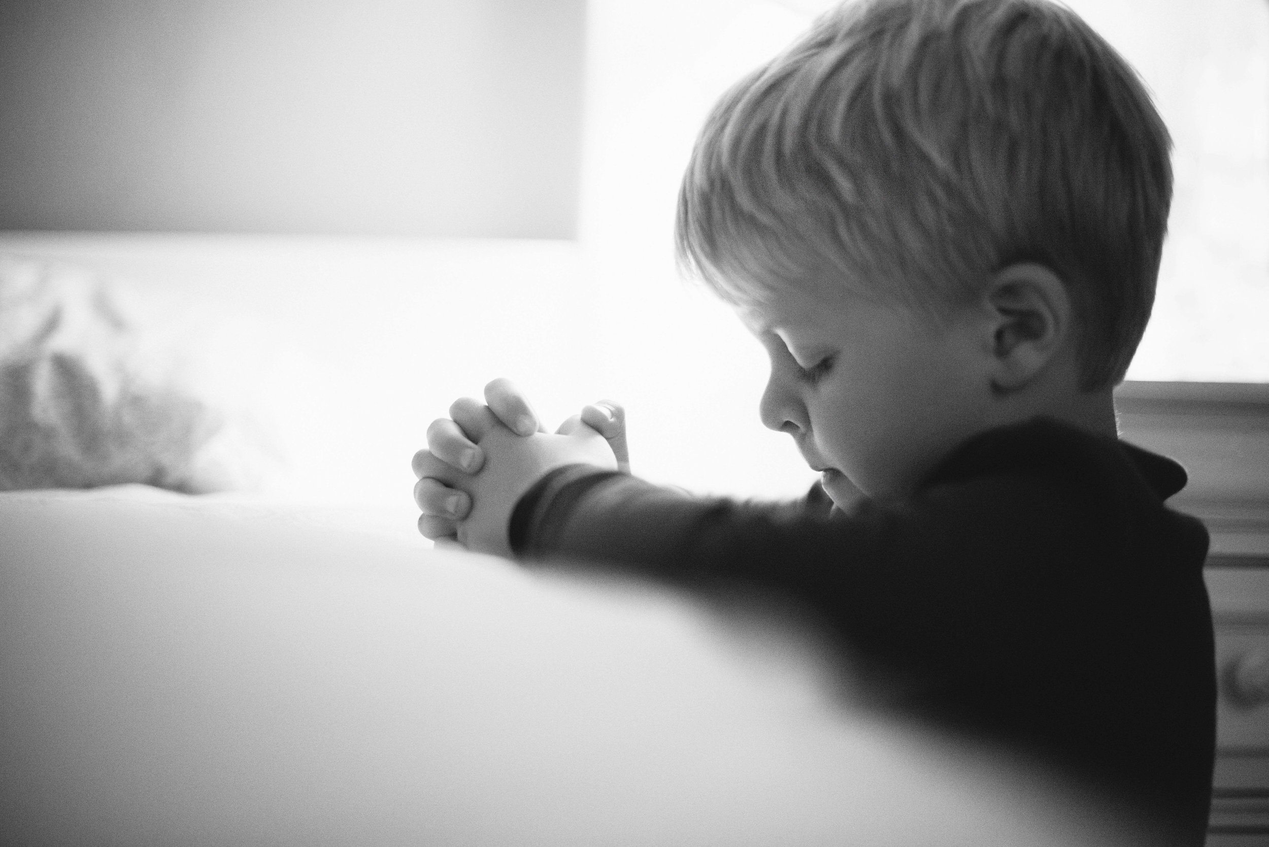 28019_42874_Boy_praying (1).jpg