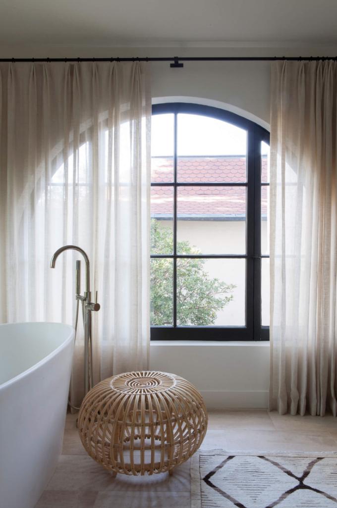 modern boho bathroom styling, DISC Interiors