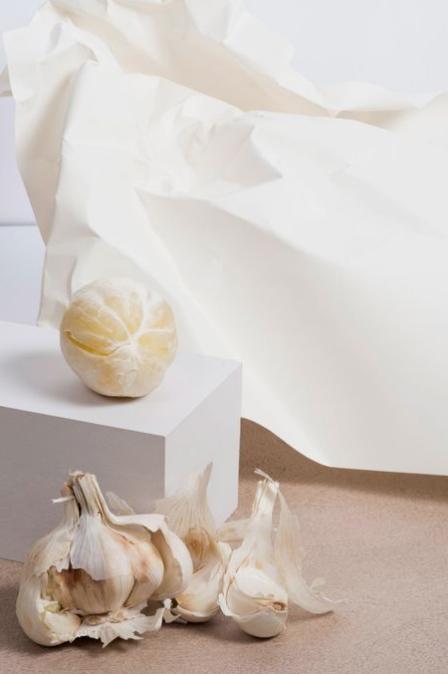 color story: garlic