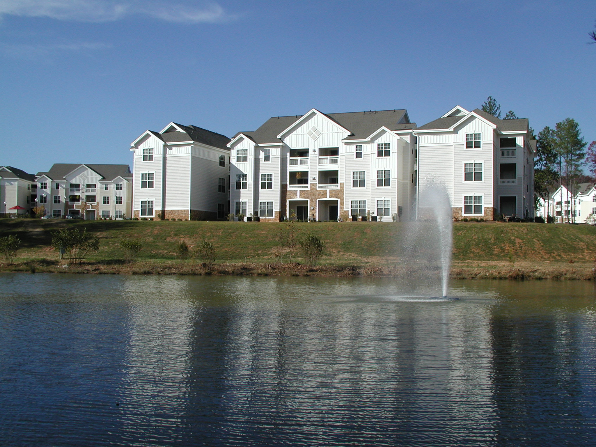 """The Links - Raleigh, NCConstructed in 2001 as part of a 264-unit master community, The Links contains 192 Class """"A"""" apartment homes and 72 individually owned condominiums. The Links community enjoys a 7,000-square foot clubhouse with a year-round indoor pool, a resort-style outdoor pool, a 12-station fitness center, a business center, a video and book library and a piano bar."""