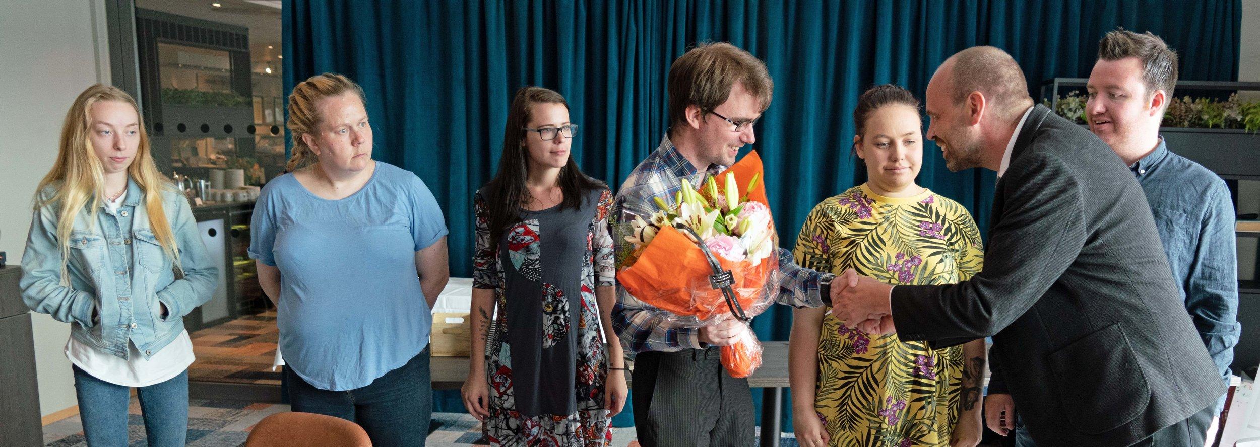 Fra venstre: Marlinn B. Thomsen (Charlottenlund helse- og velferdssenter), Marianne Lindgaard Ristad (Scandic Hell), Sonja Nathalie Johansen (Havstein helse- og velferdssenter), Adrian Erlandsen (Scandic Lerkendal), Tiril Alnæs Kvam (Scandic Bakklandet), Arild Grande (Stortinget) og Robert Norli Hamnes (Scandic Nidelven)