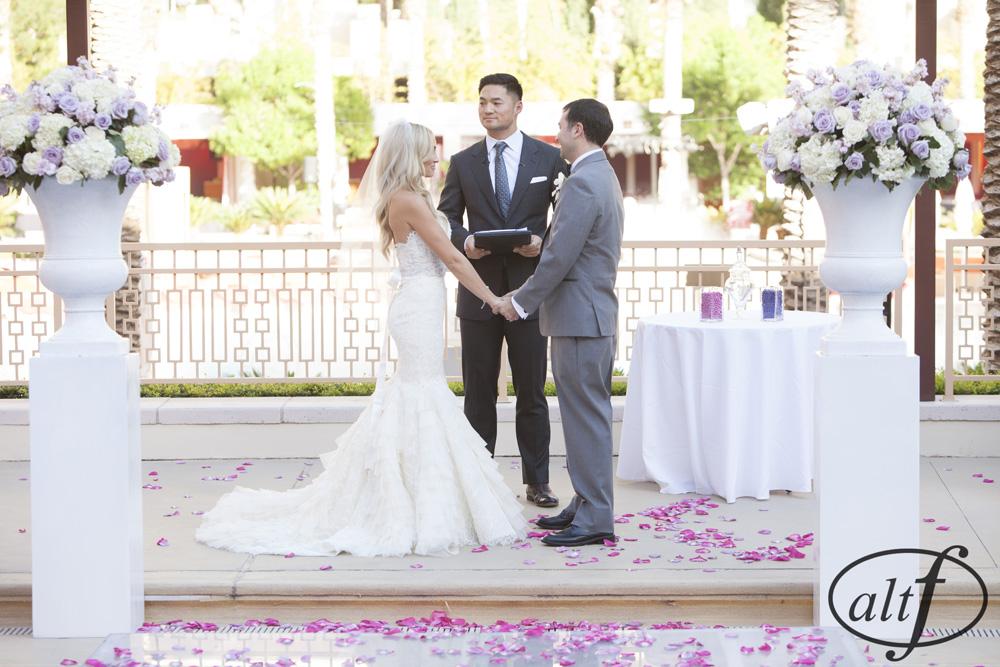 wedding-ceremony-poolside