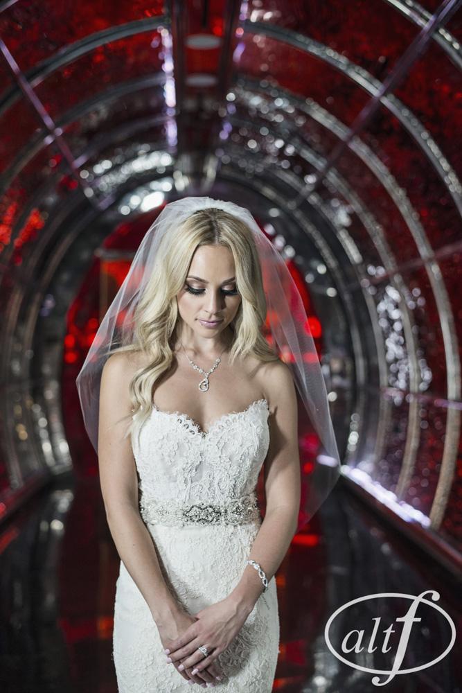 beautiful-bride-cherry-nightclub-las-vegas