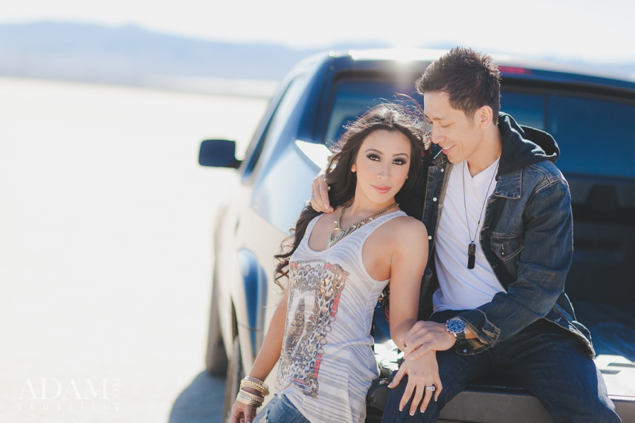 engagement-session-las-vegas-dry-lake-bed