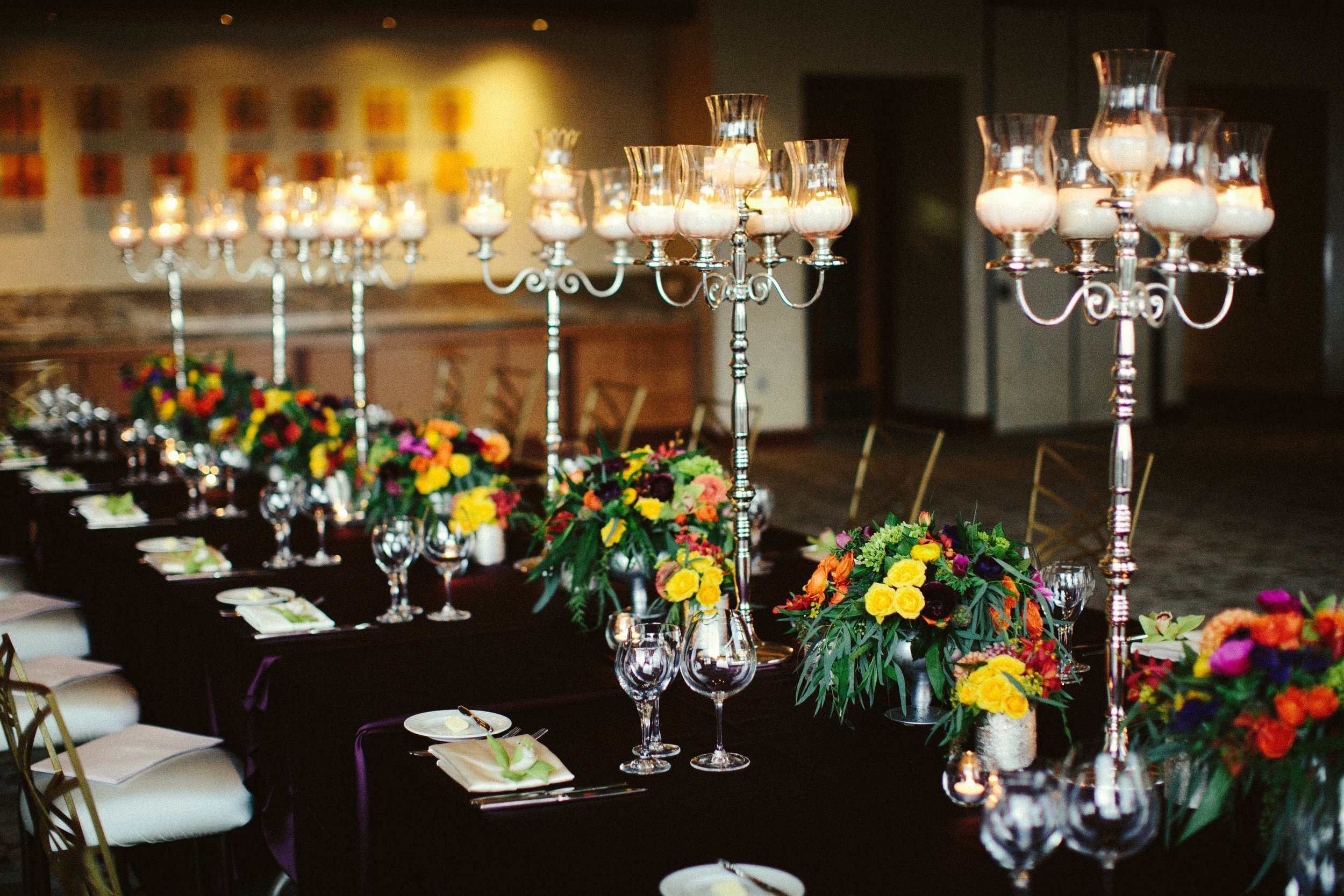 dinner-one-long-table-candelabra