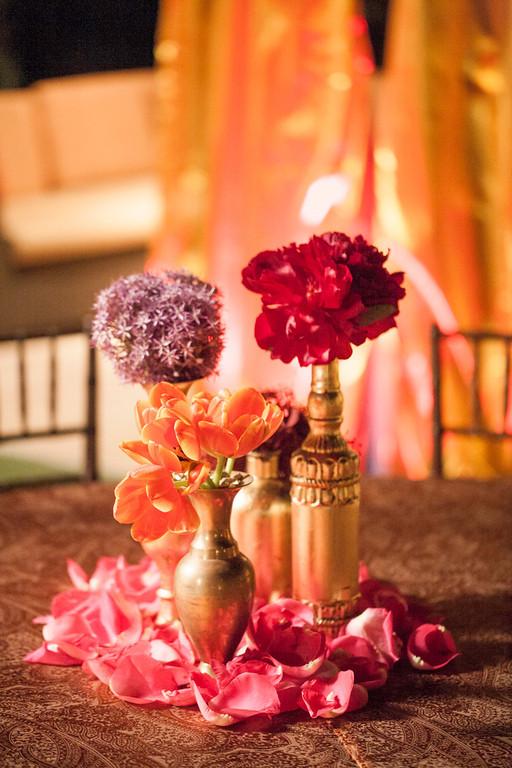 gold-purple-red-wedding-party-centerpiece