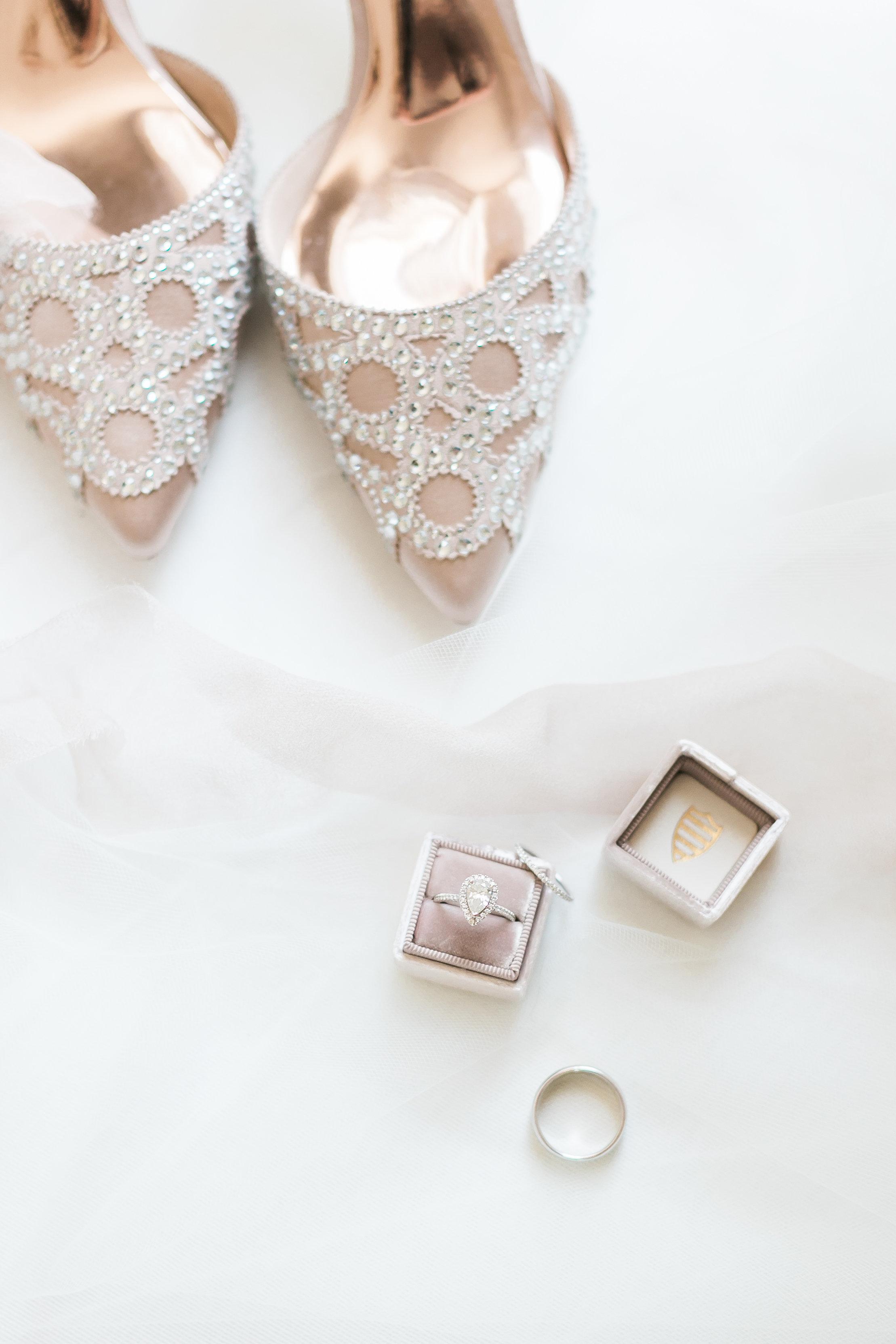badgley mischka shoes wedding shoes las vegas wedding planner
