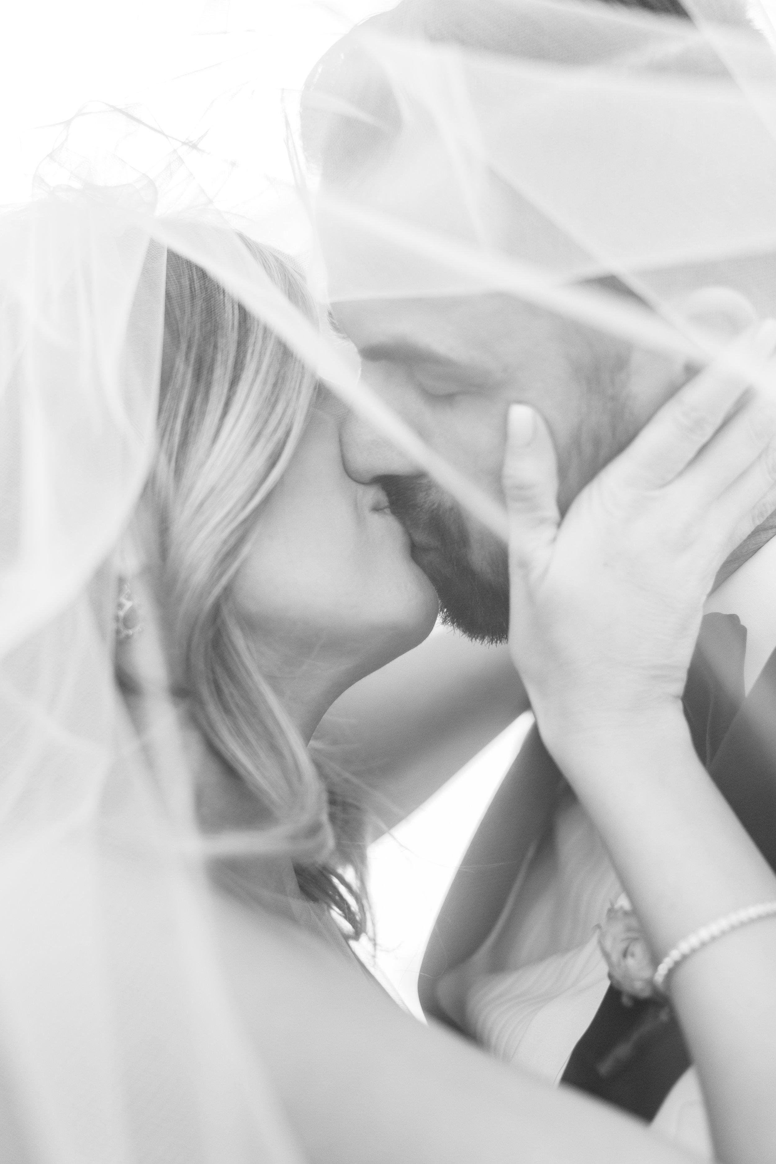 black-and-white-wedding-photos-las-vegas-wedding-planner-green-orchid-events.jpg