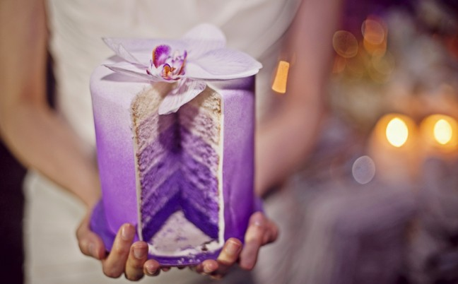 purple-ombre-wedding-cake