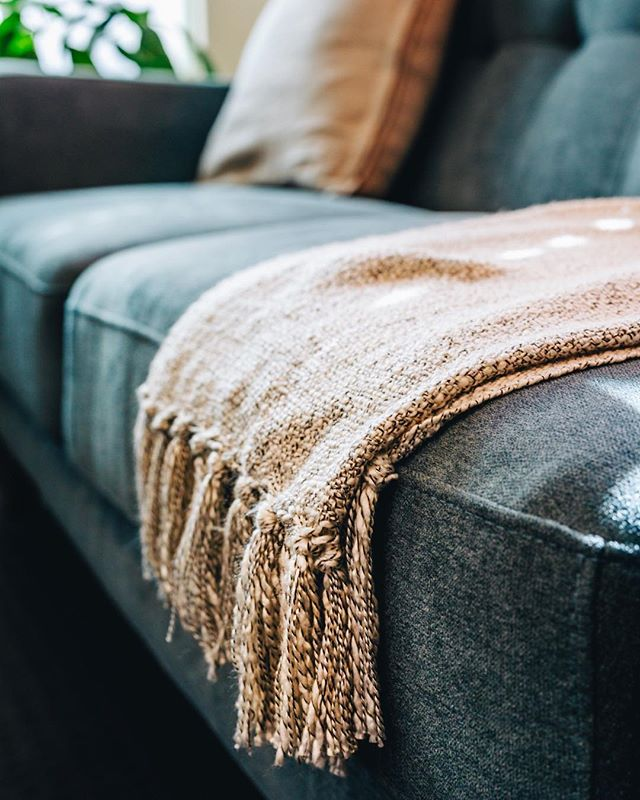 When your 'quick meeting' ends up going for 4 hours, you want to be comfortable. We've tailored everything to your comfort - which definitely means you need a gorgeous comfy couch to #getshitdone !