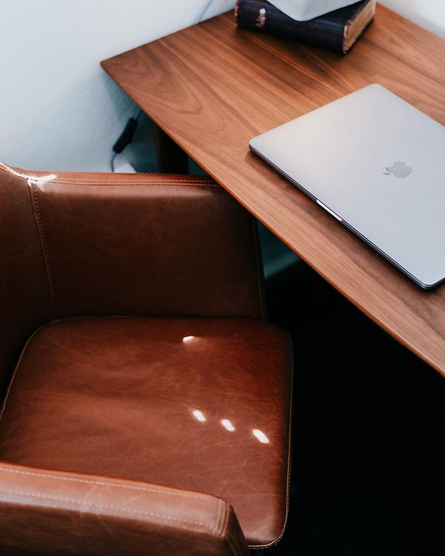 Each of our co-working spaces have been specially designed for versatility, so that they can meet a variety of needs. Here's a sneak peek of just one of the work spaces in the Consulting Room.