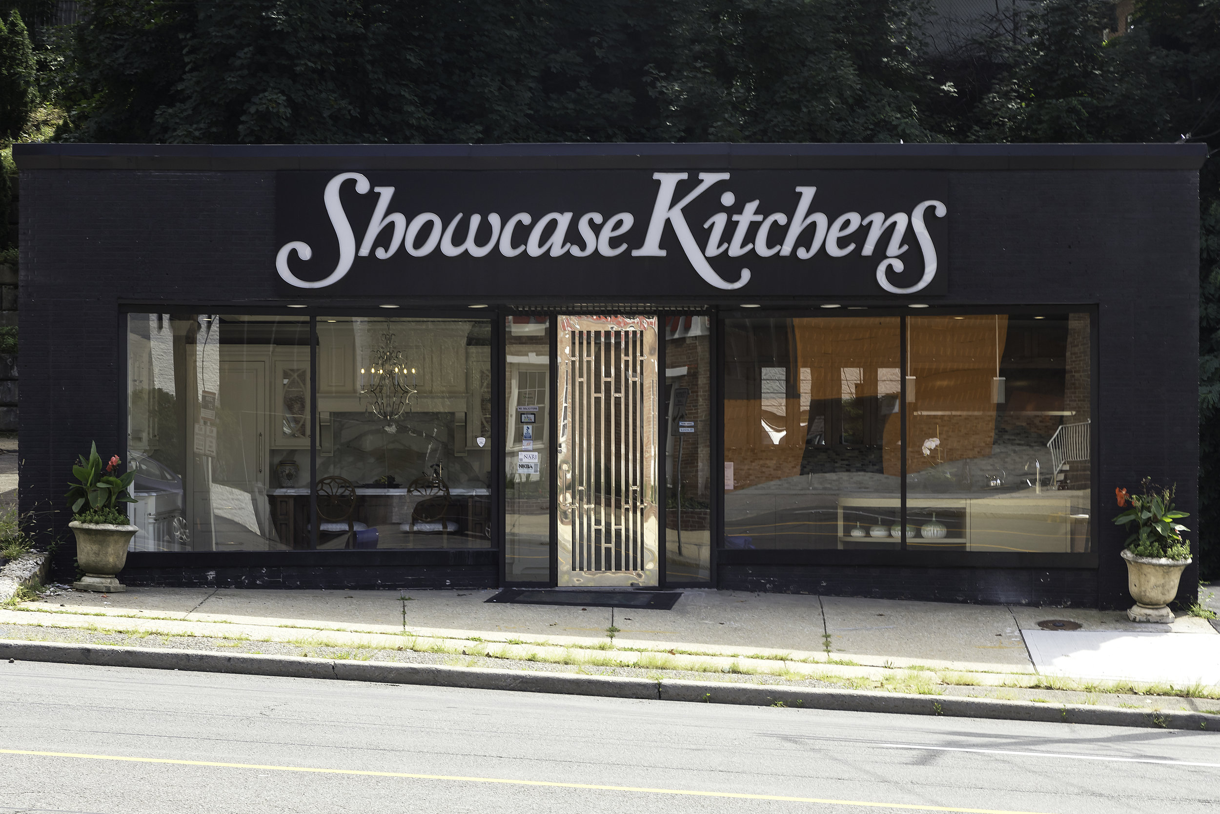 Store front of Showcase Kitchens is Manhasset