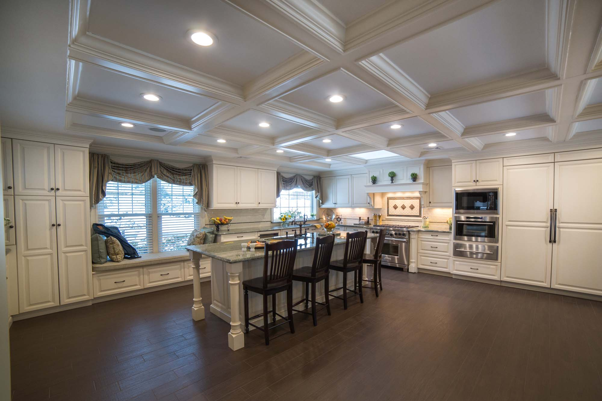 CLASSIC FAMILY KITCHEN