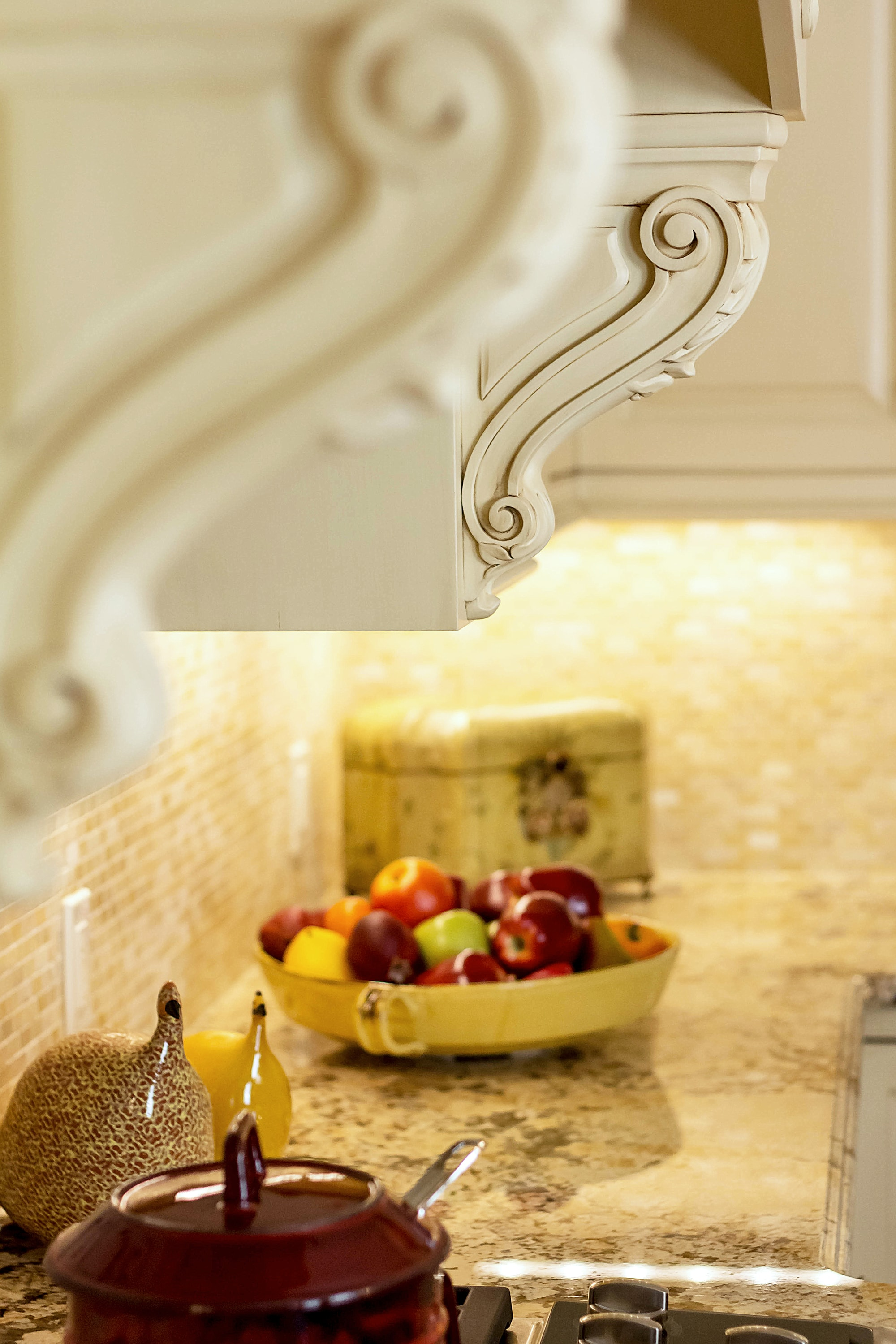Traditional style kitchen counter with custom molding