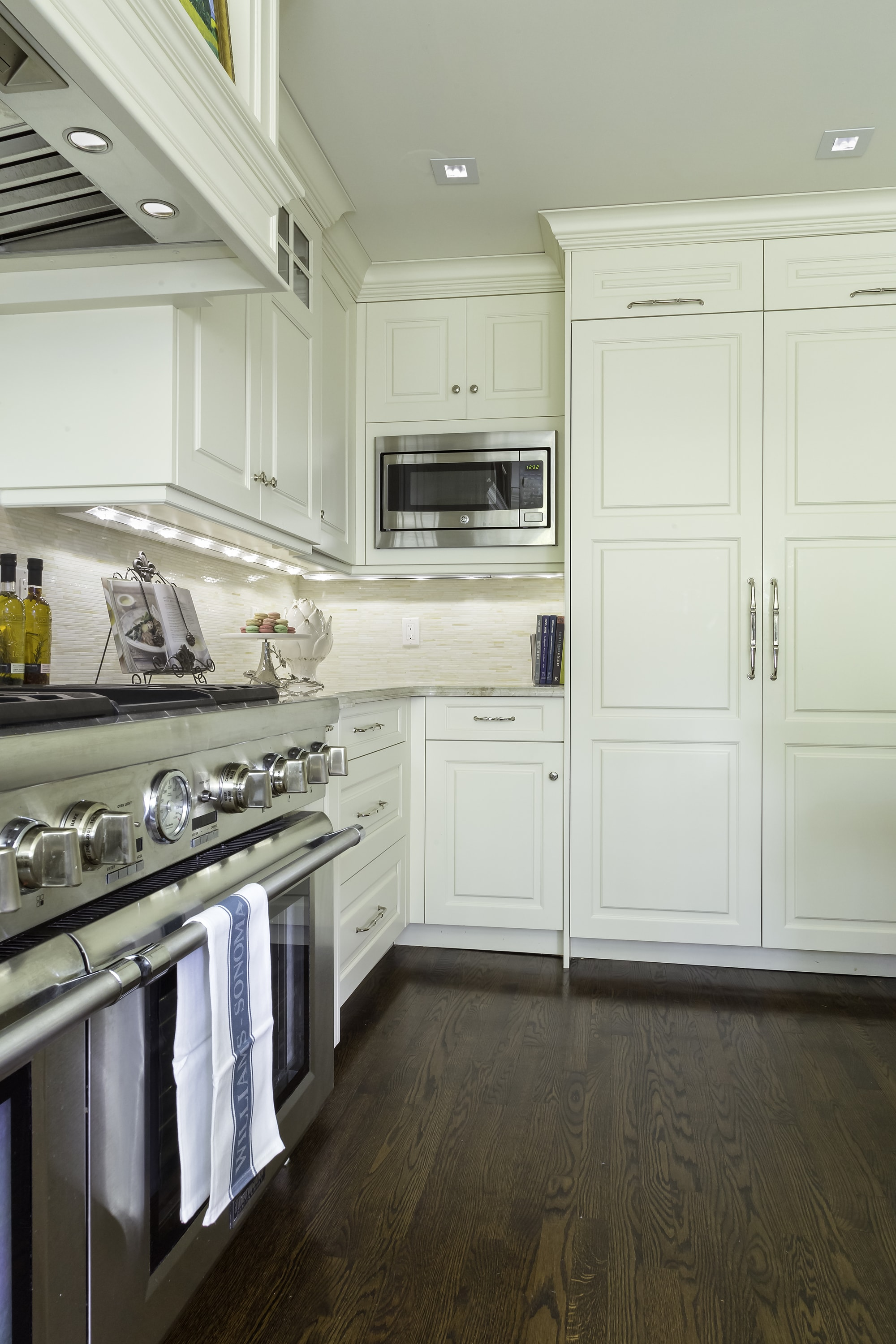 Traditional style kitchen with a stainless steel range