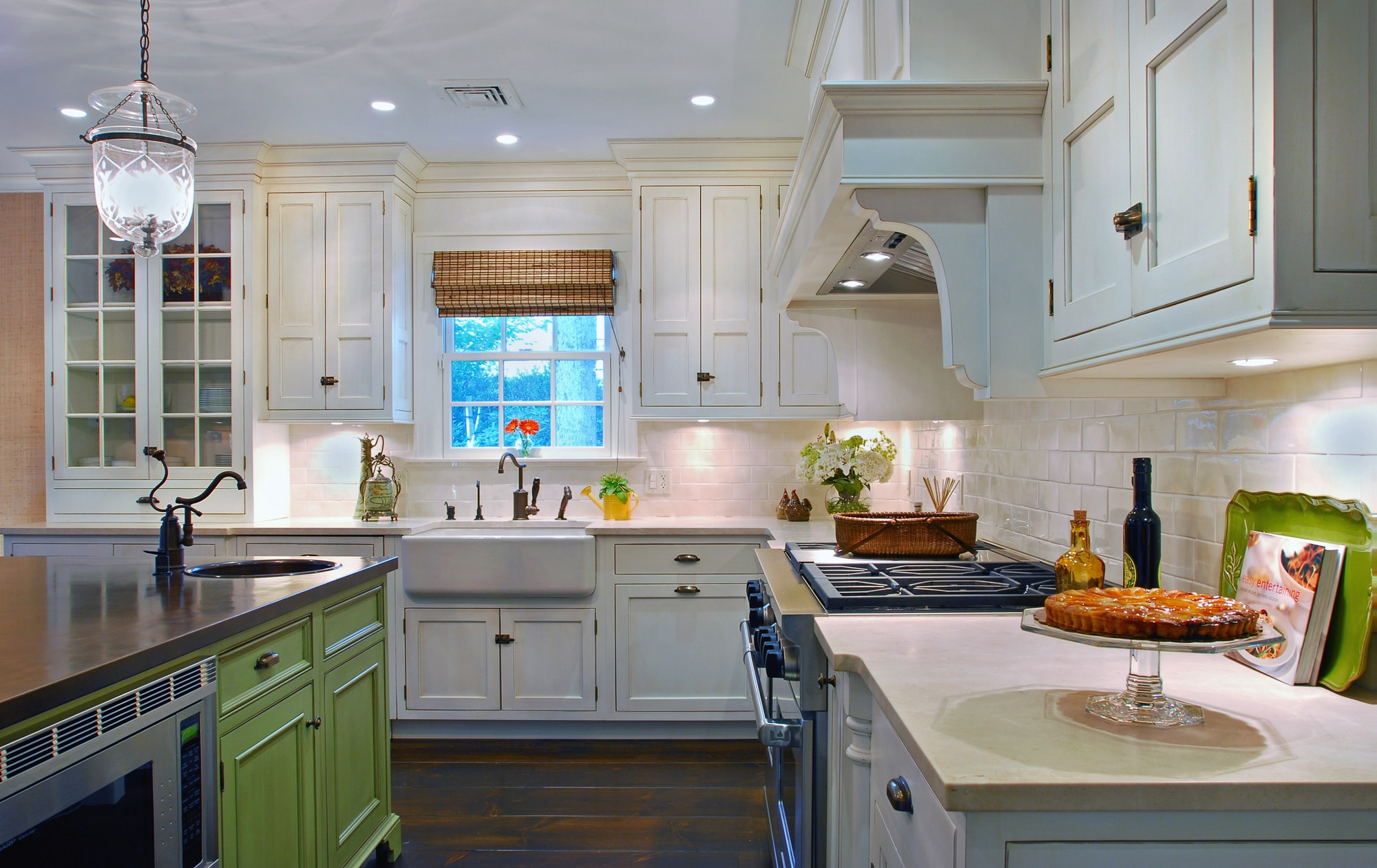 Traditional style kitchen with classic hardwood flooring