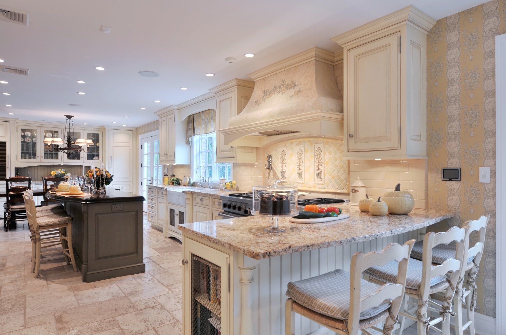 Traditional style kitchen with spacious floor and lovely design