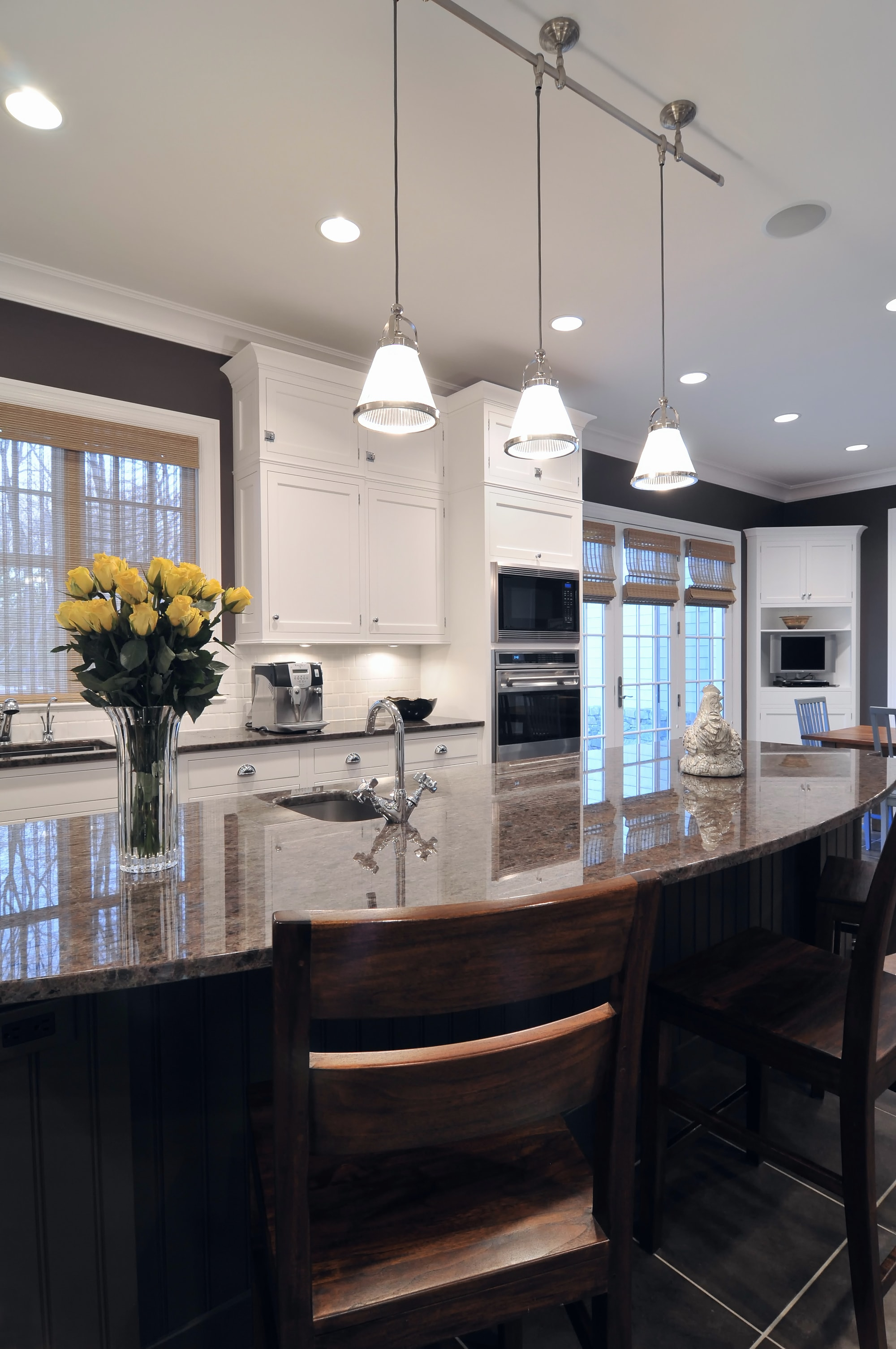 Traditional style kitchen with warm light setting