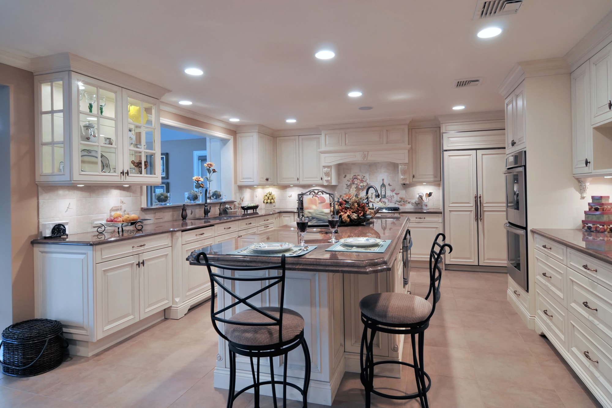 SHOWPLACE KITCHEN