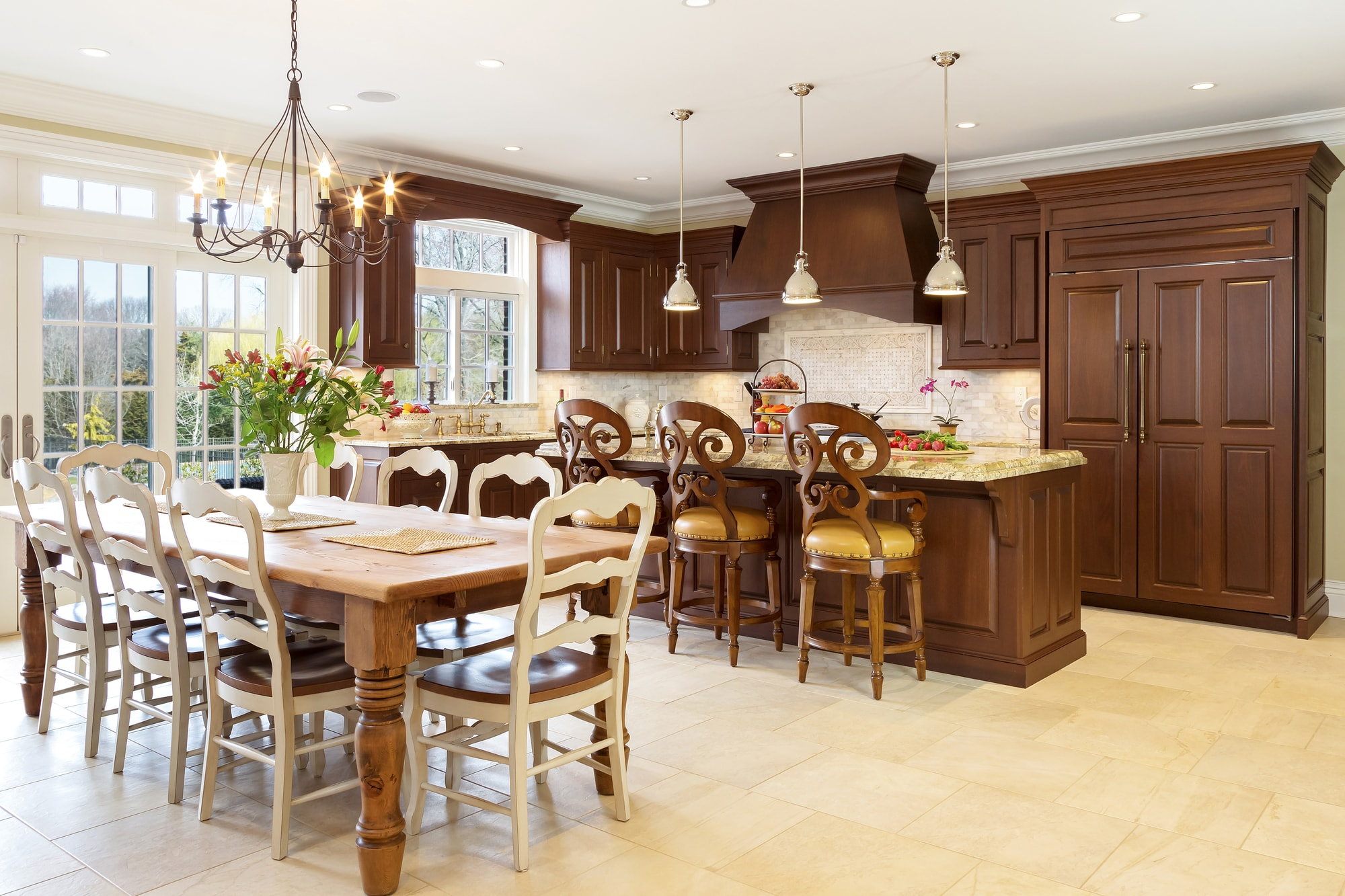 Traditional style kitchen with spacious and tiled floor