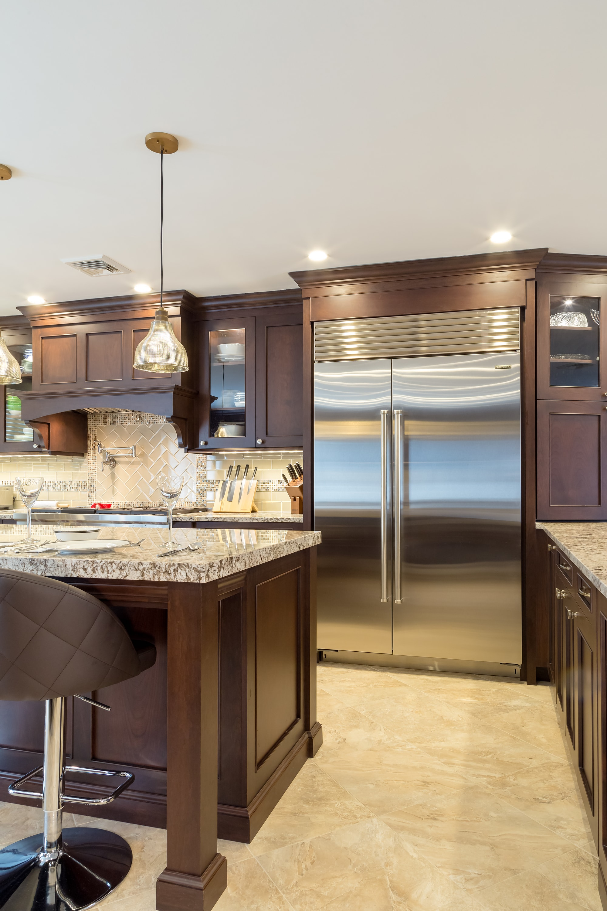 Traditional style kitchen with  with family size refrigerator