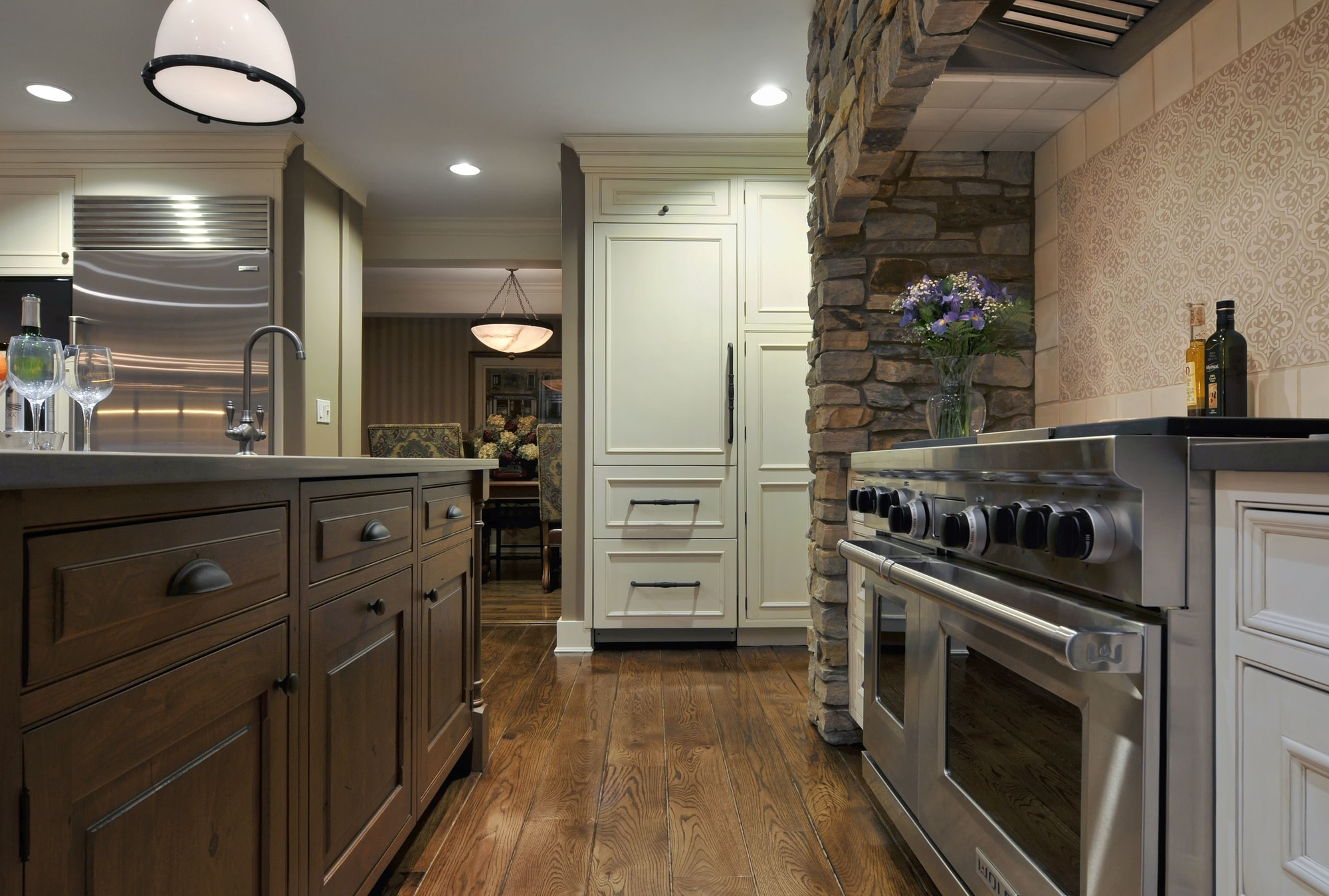 Traditional style kitchen with wooden cabinet and drawers
