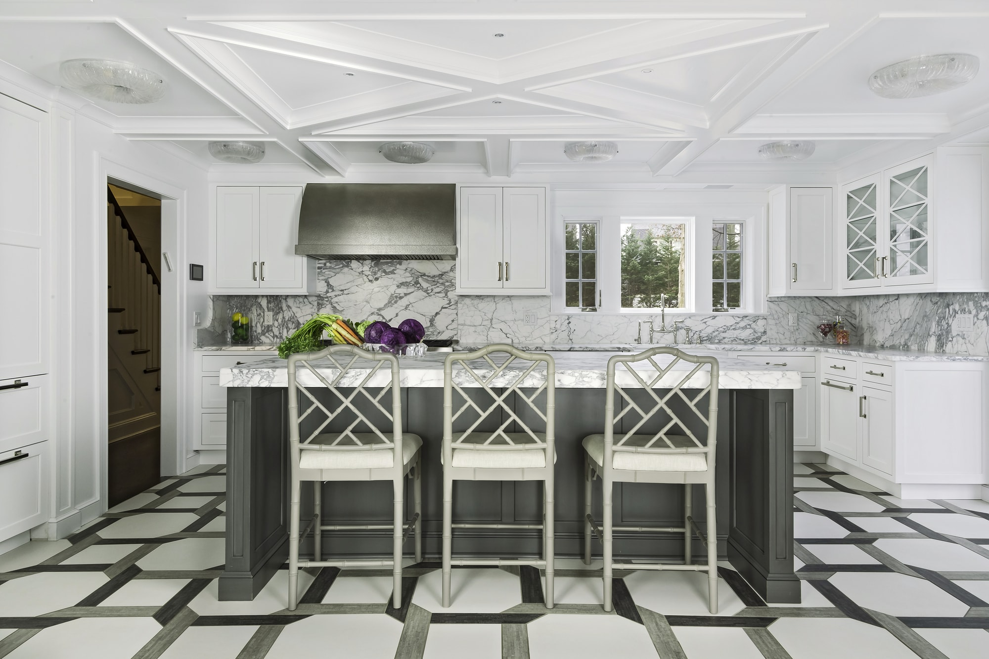 Transitional style kitchen with an elegant modern design