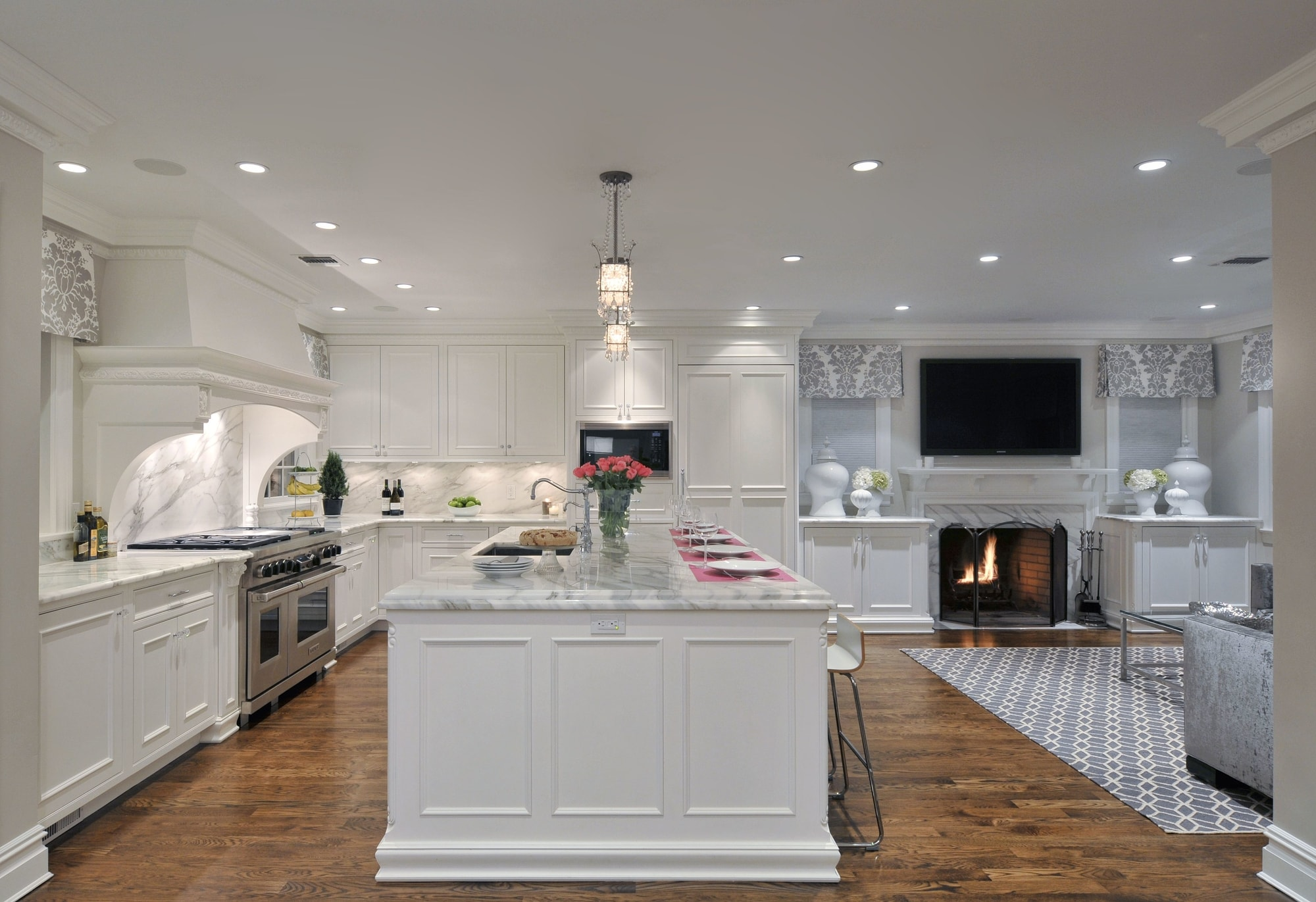 Transitional style kitchen with a small open plan design