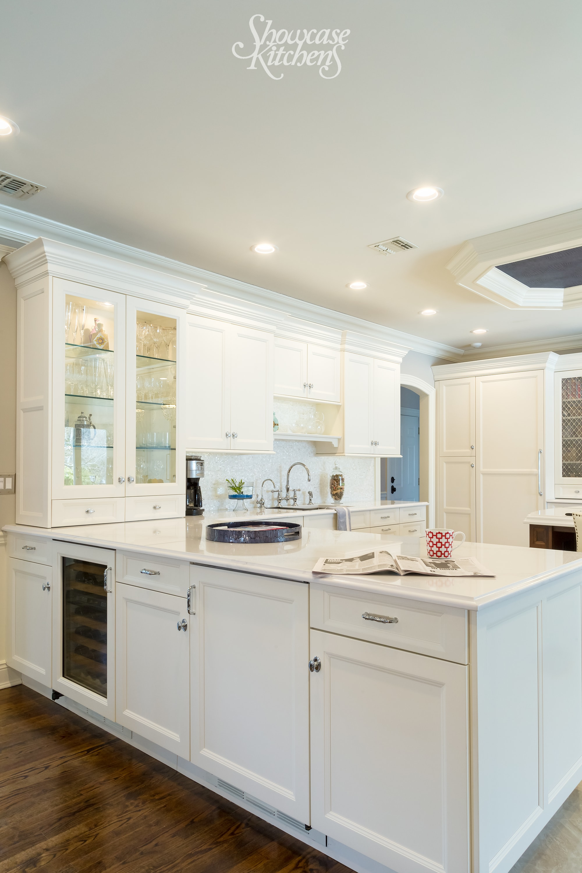 Transitional style kitchen with under cabinets and pull out drawers