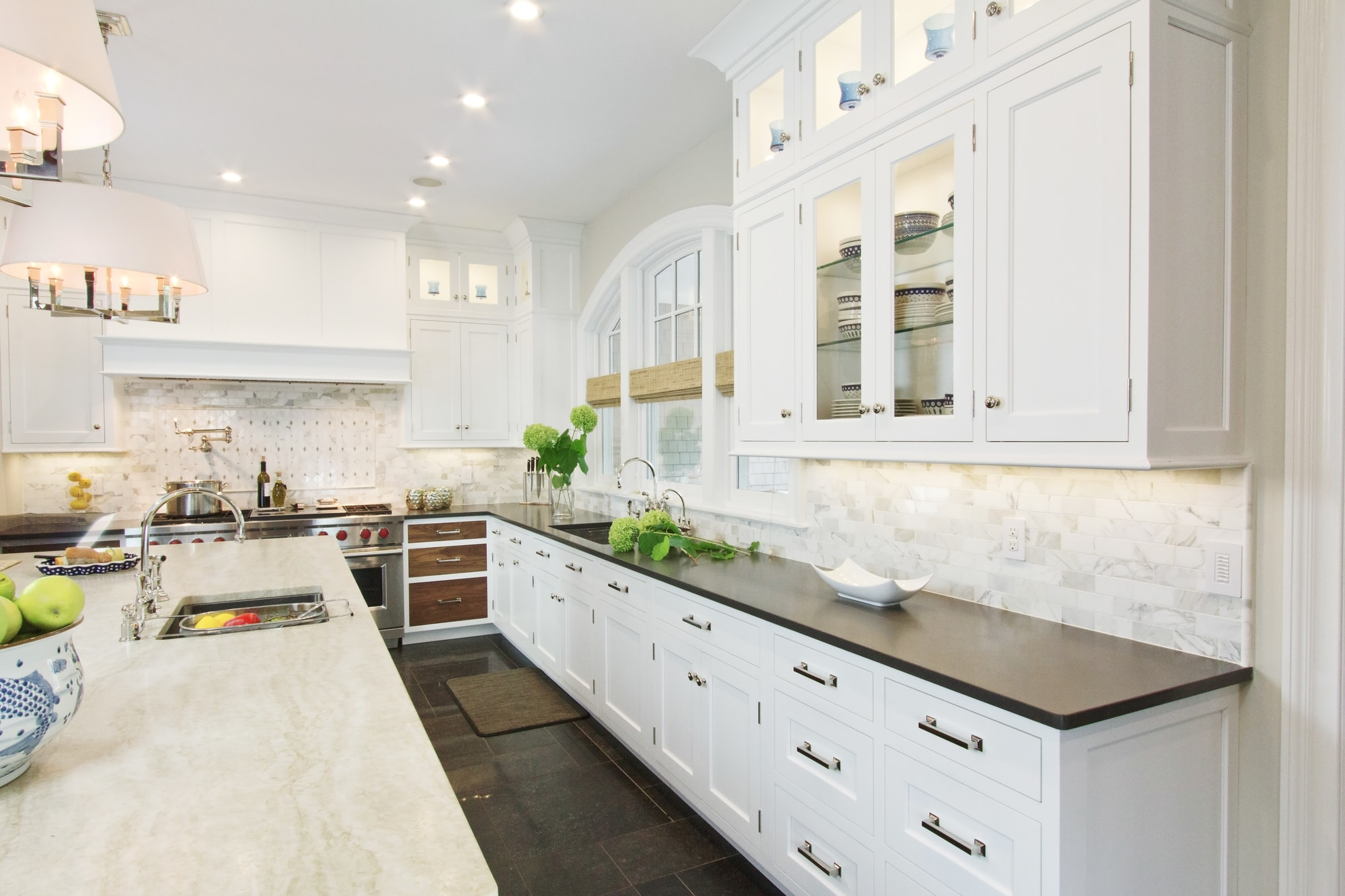 Transitional style kitchen with upper cabinets and plenty of drawers