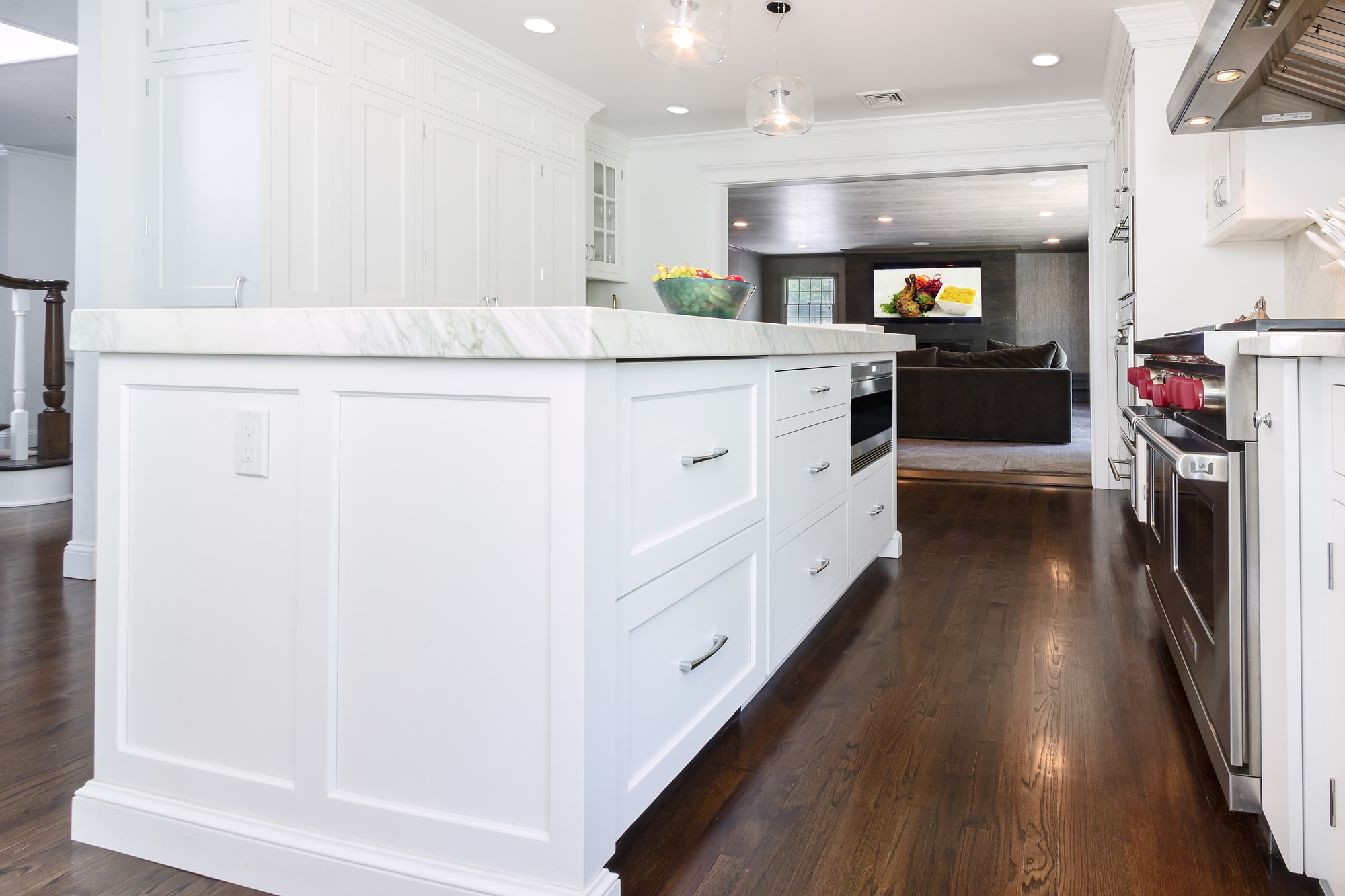 Transitional style kitchen with custom built under counter cabinets