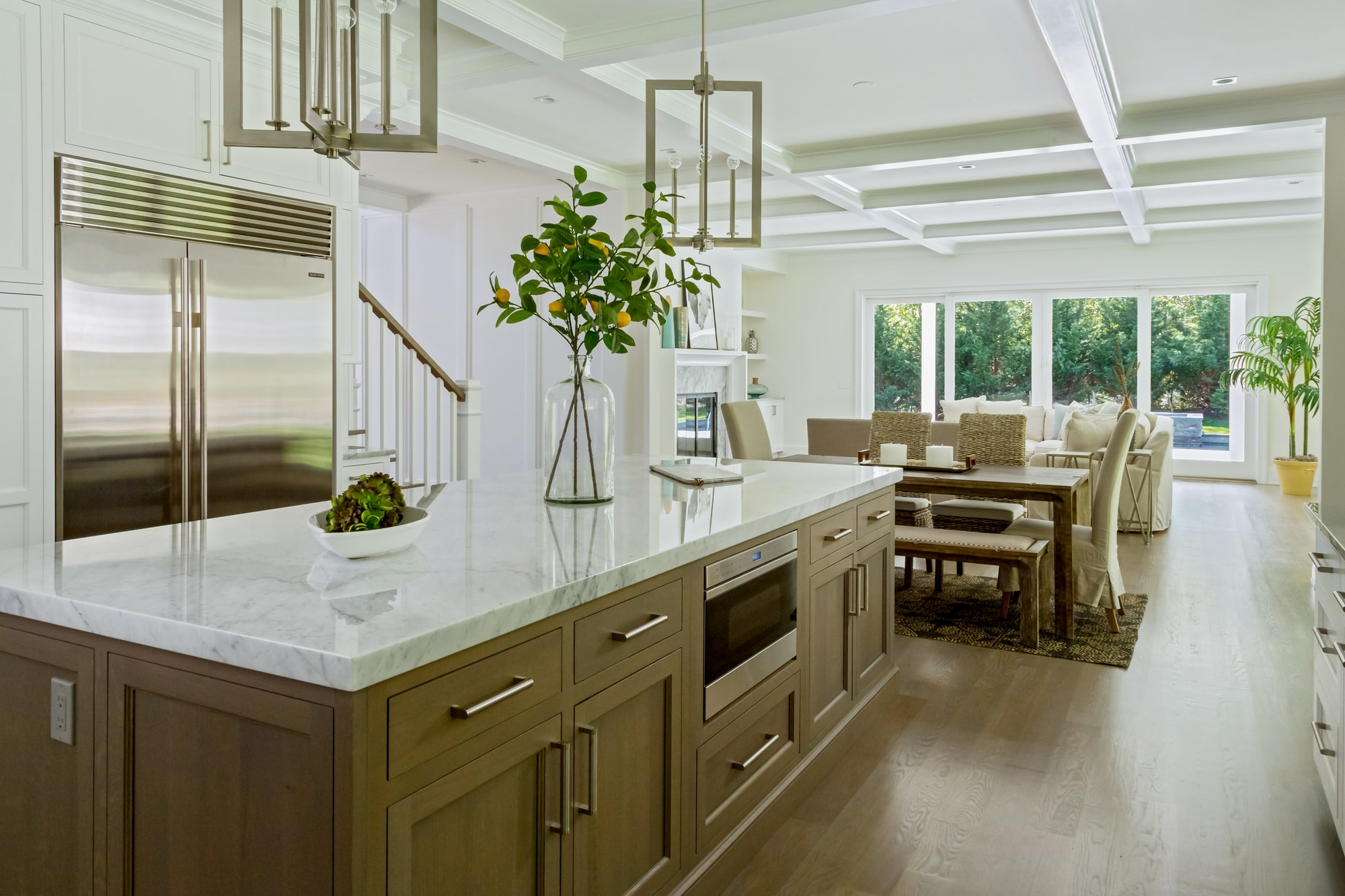 Copy of Transitional style kitchen with center kitchen island