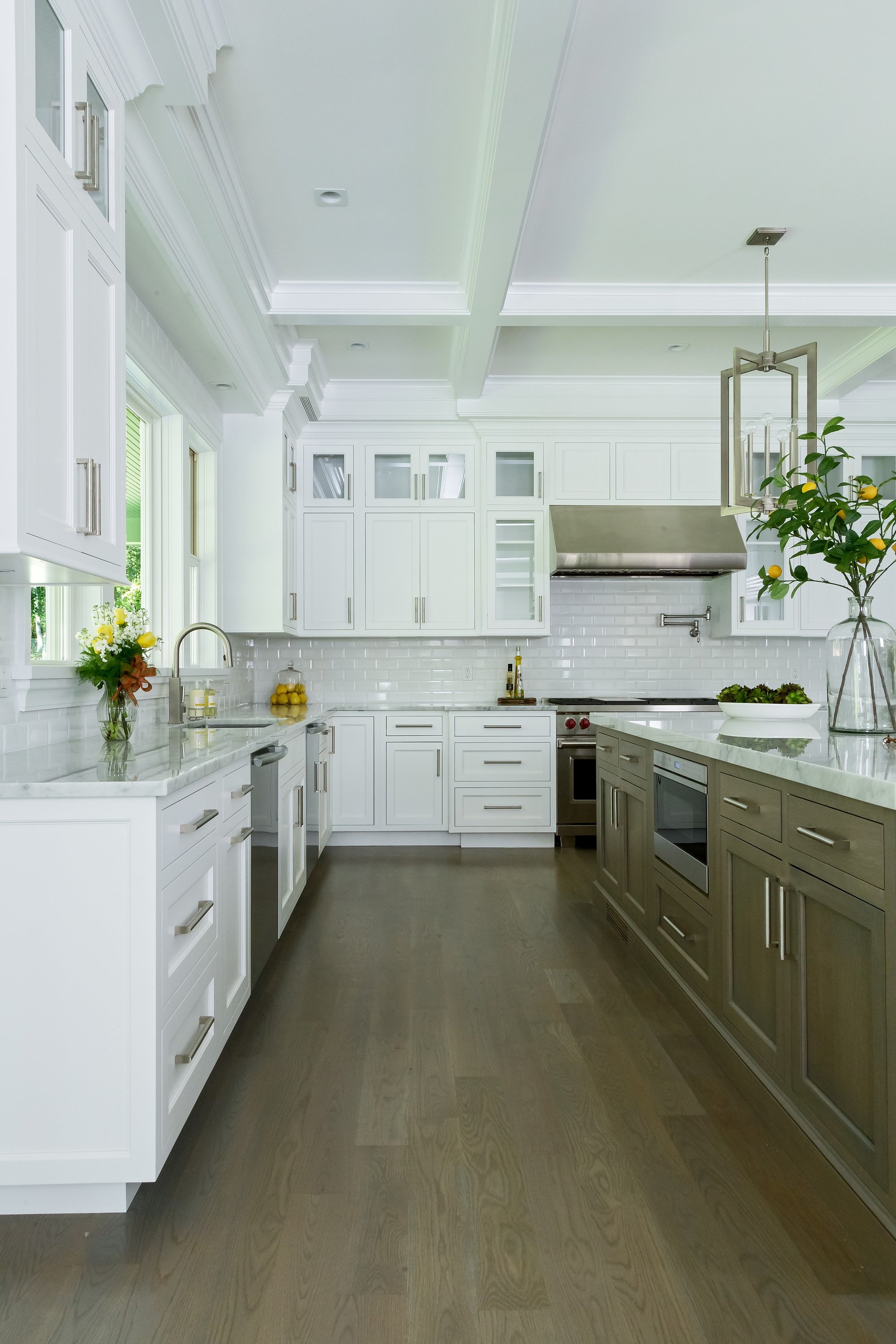 Copy of Transitional style kitchen with upper cabinets