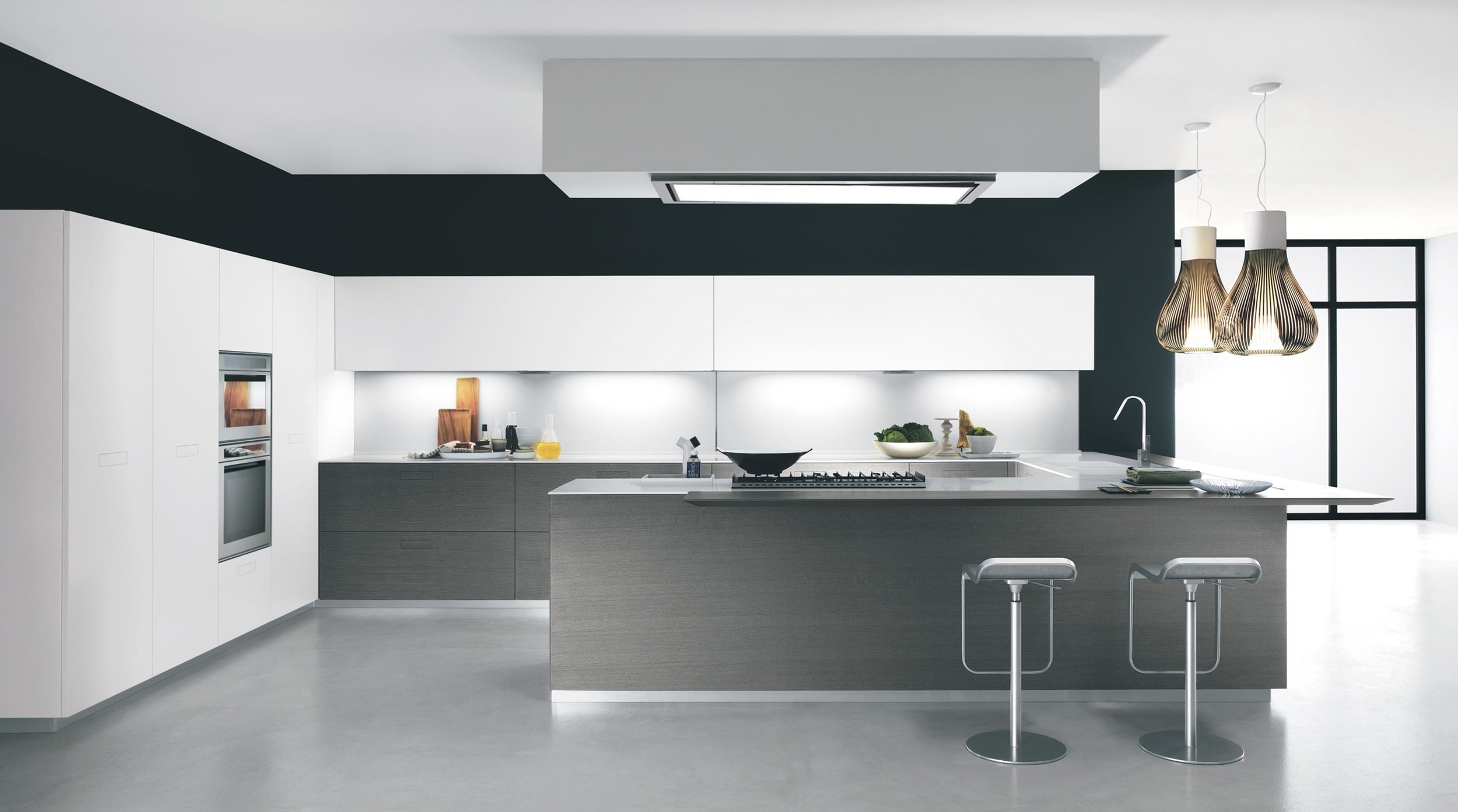 Contemporary style kitchen with L'shaped kitchen counter