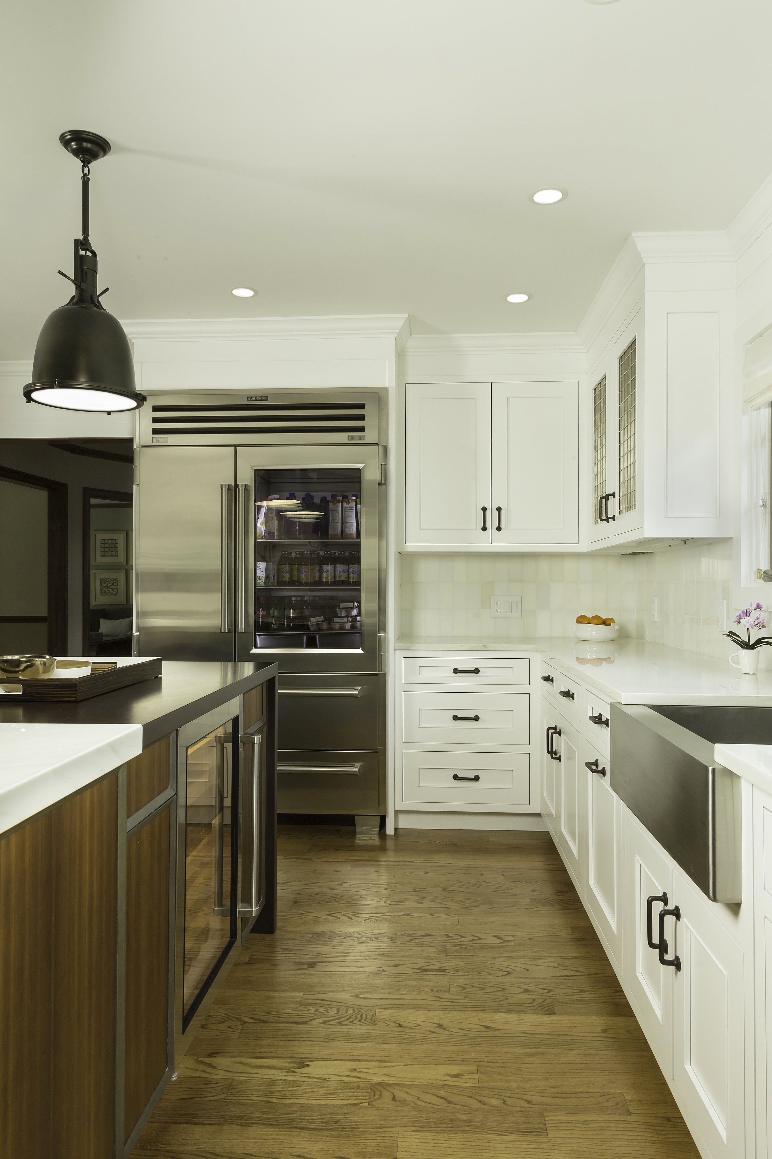 Contemporary style kitchen with two pendant lighting