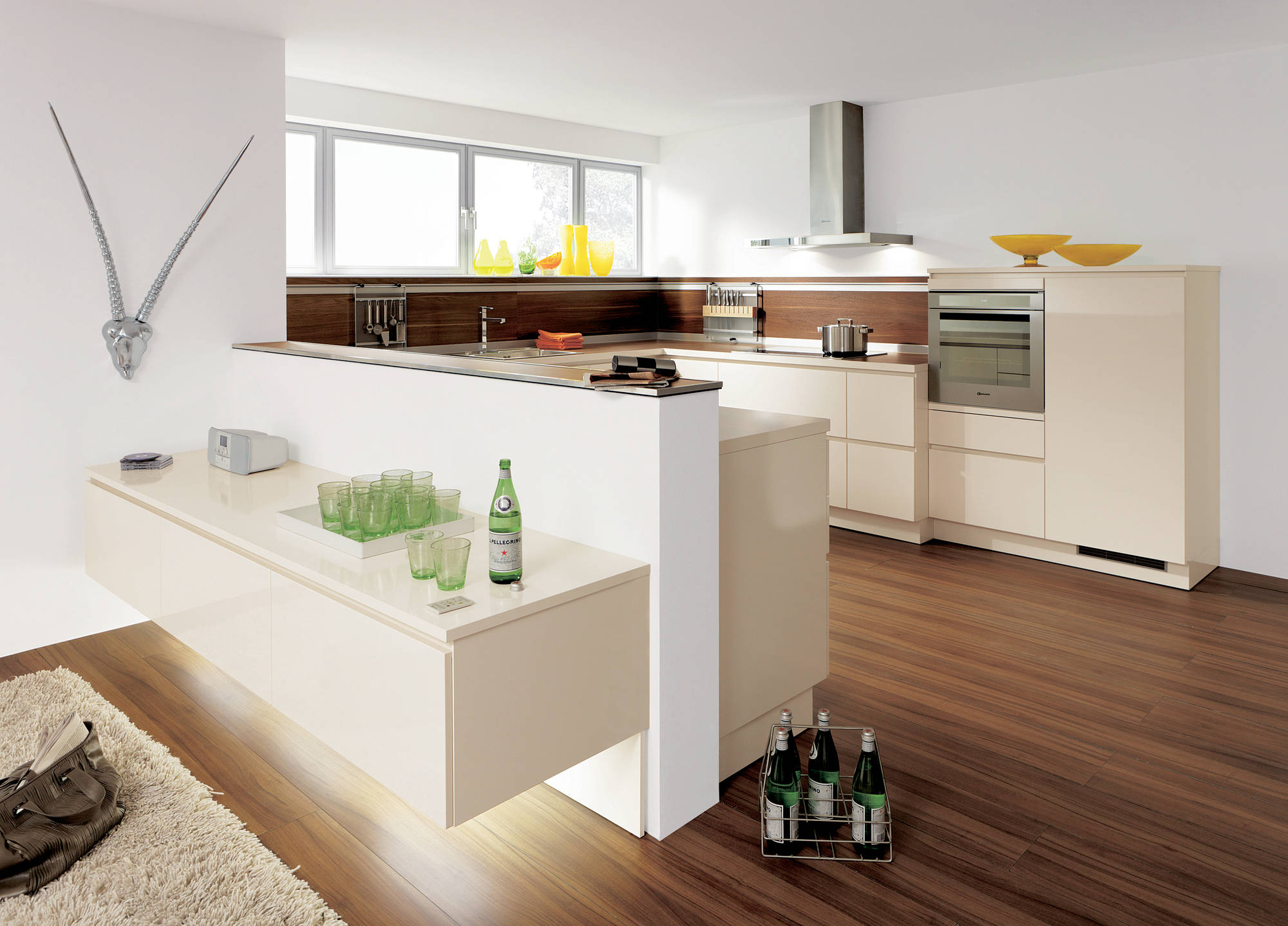 Contemporary style kitchen with multi-level kitchen counter