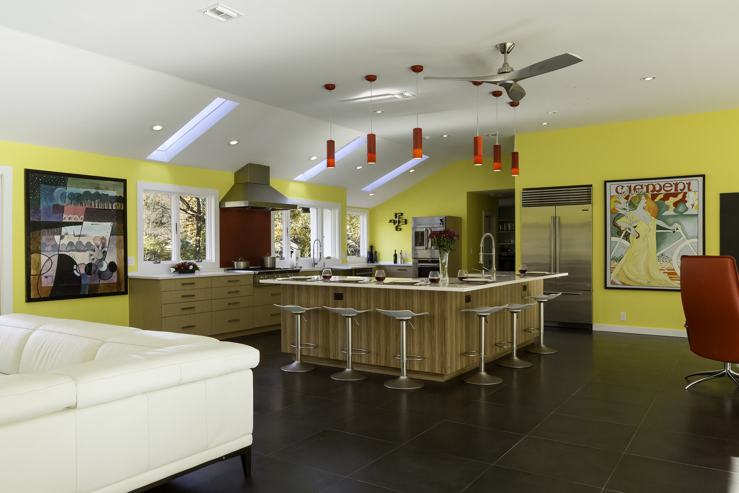Contemporary style kitchen with an open plan design