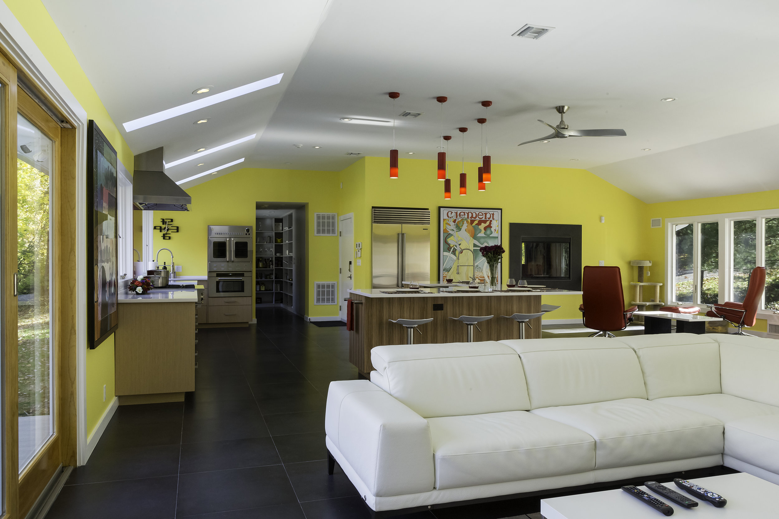 Contemporary style kitchen with high ceiling