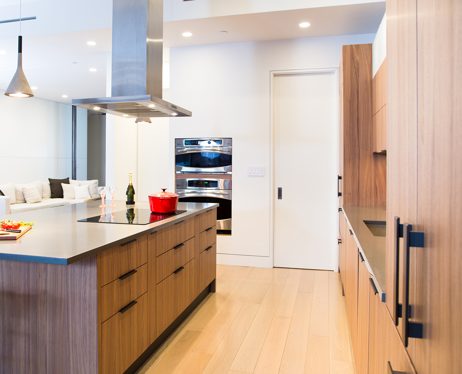 Contemporary style kitchen with hardwood floor