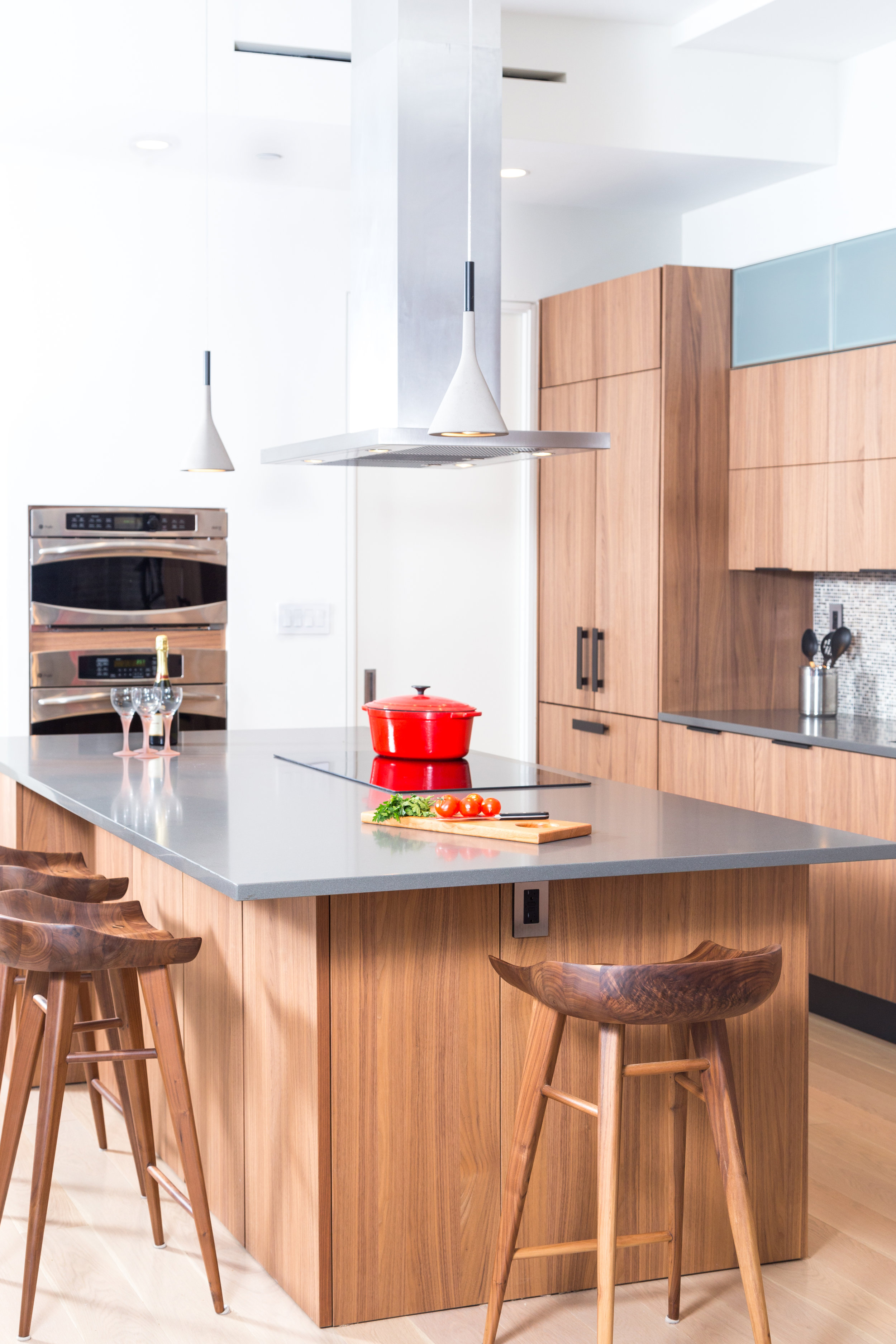 Contemporary style kitchen with two pendant fixtures