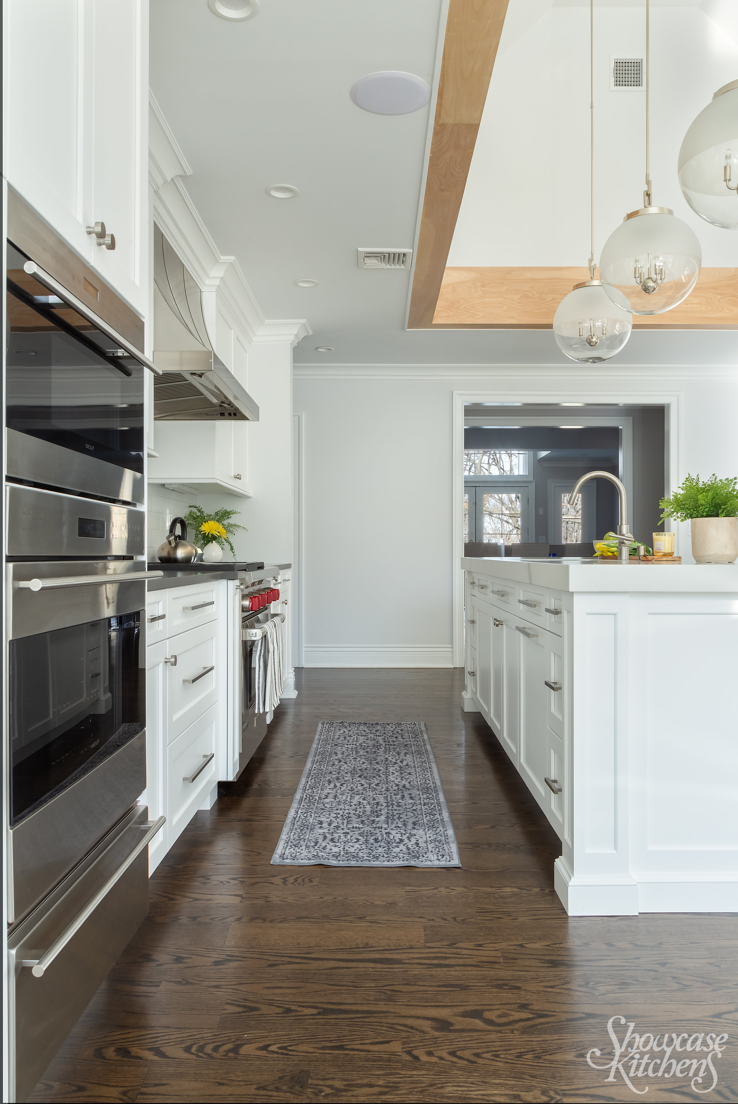 Transitional style kitchen with sub zero and wolf appliances