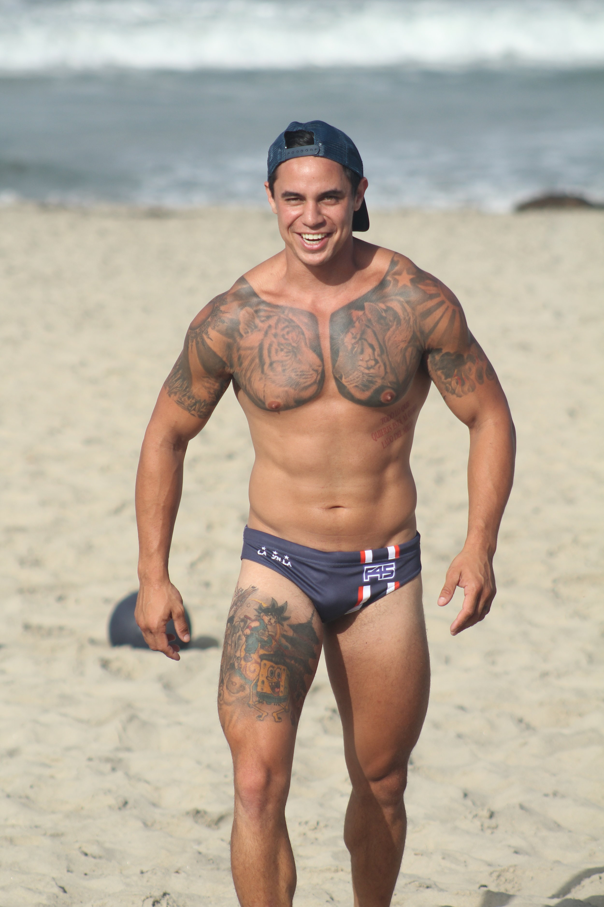 """""""Planned a beach workout with my mate's company. Signed up 10 new members because I got the rig out."""" - -J.D."""