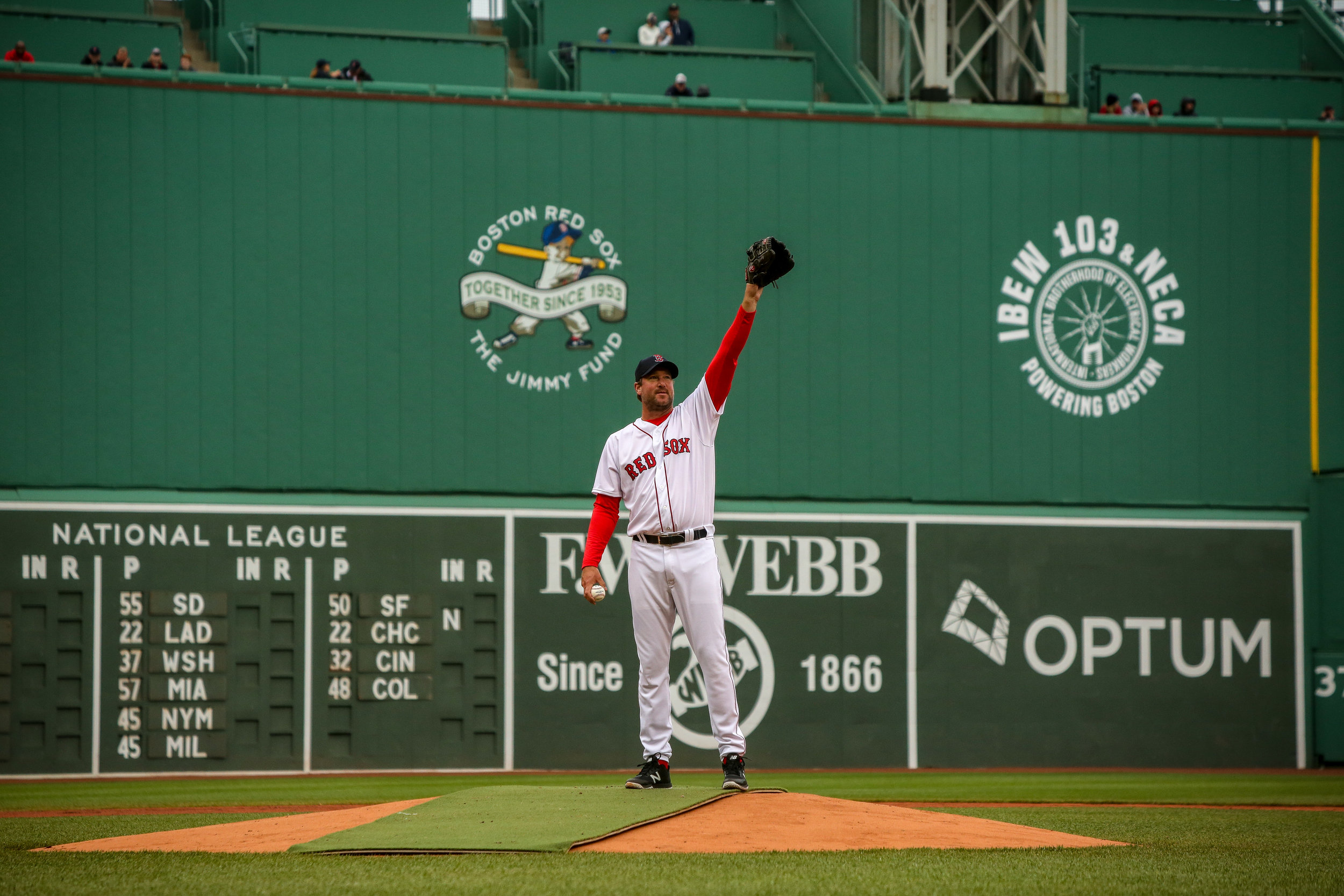 Pitcher Derek Lowe waves to the fans of Fenway Park at the 2018 Red Sox Alumni Game.