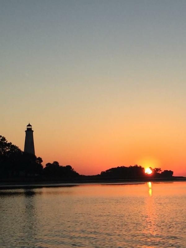 a lighthouse2.jpg